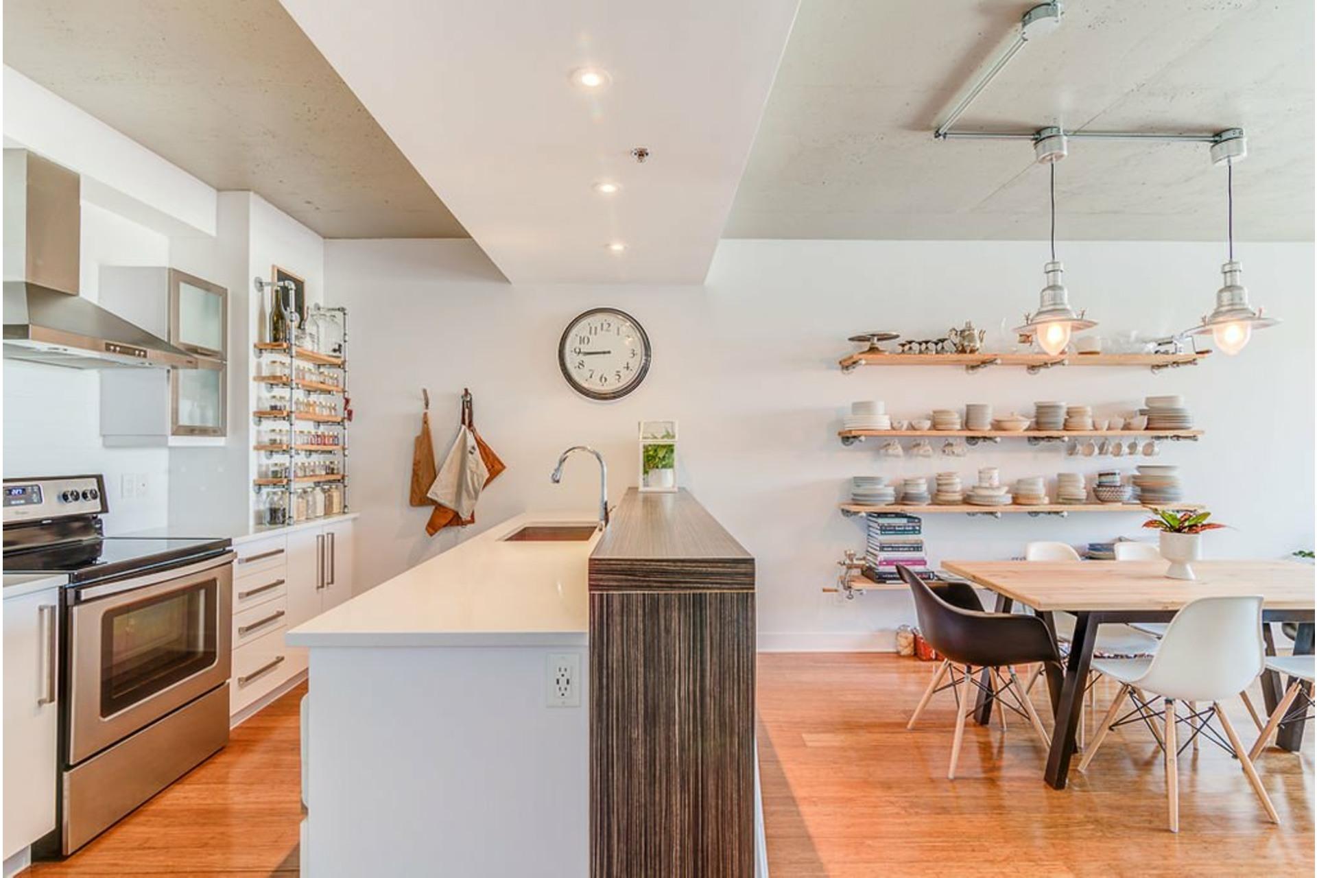 image 7 - Apartment For sale Villeray/Saint-Michel/Parc-Extension Montréal  - 4 rooms