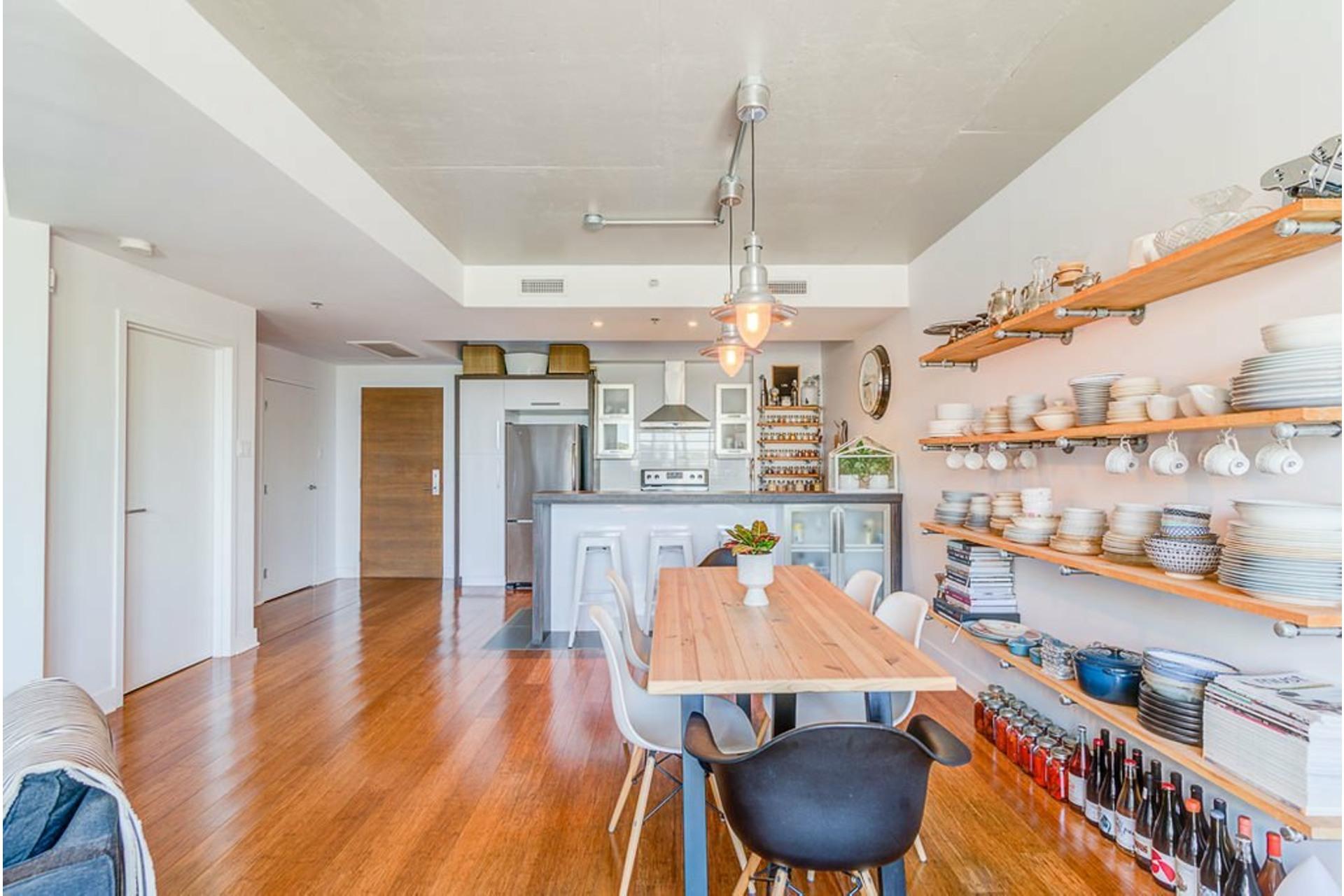 image 6 - Apartment For sale Villeray/Saint-Michel/Parc-Extension Montréal  - 4 rooms