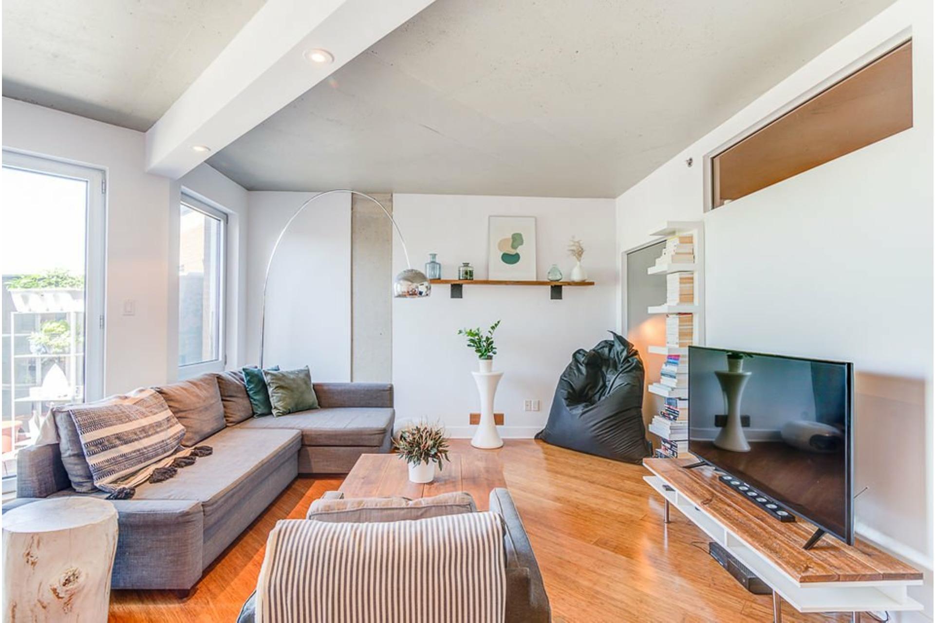 image 2 - Apartment For sale Villeray/Saint-Michel/Parc-Extension Montréal  - 4 rooms