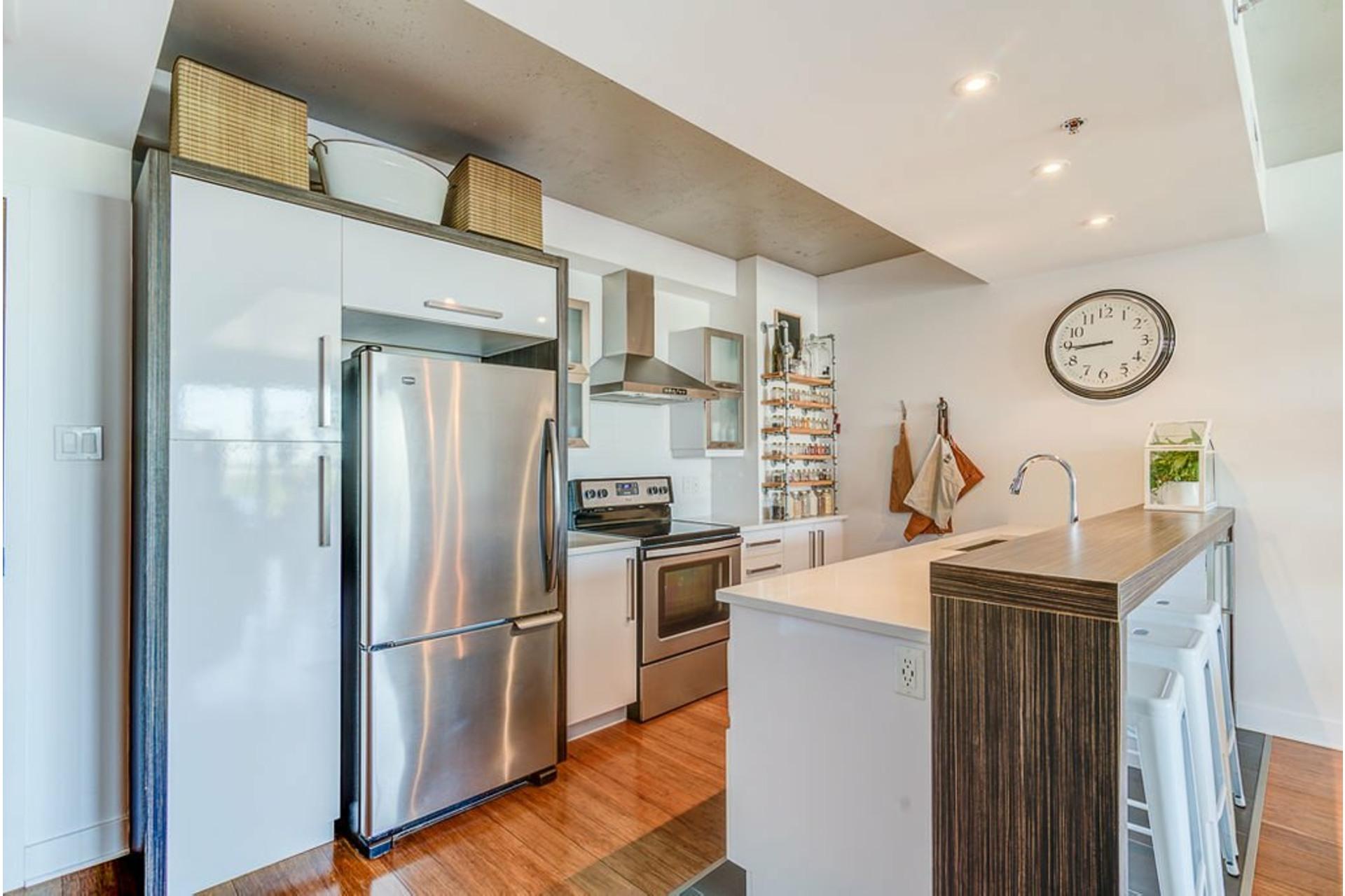image 8 - Apartment For sale Villeray/Saint-Michel/Parc-Extension Montréal  - 4 rooms