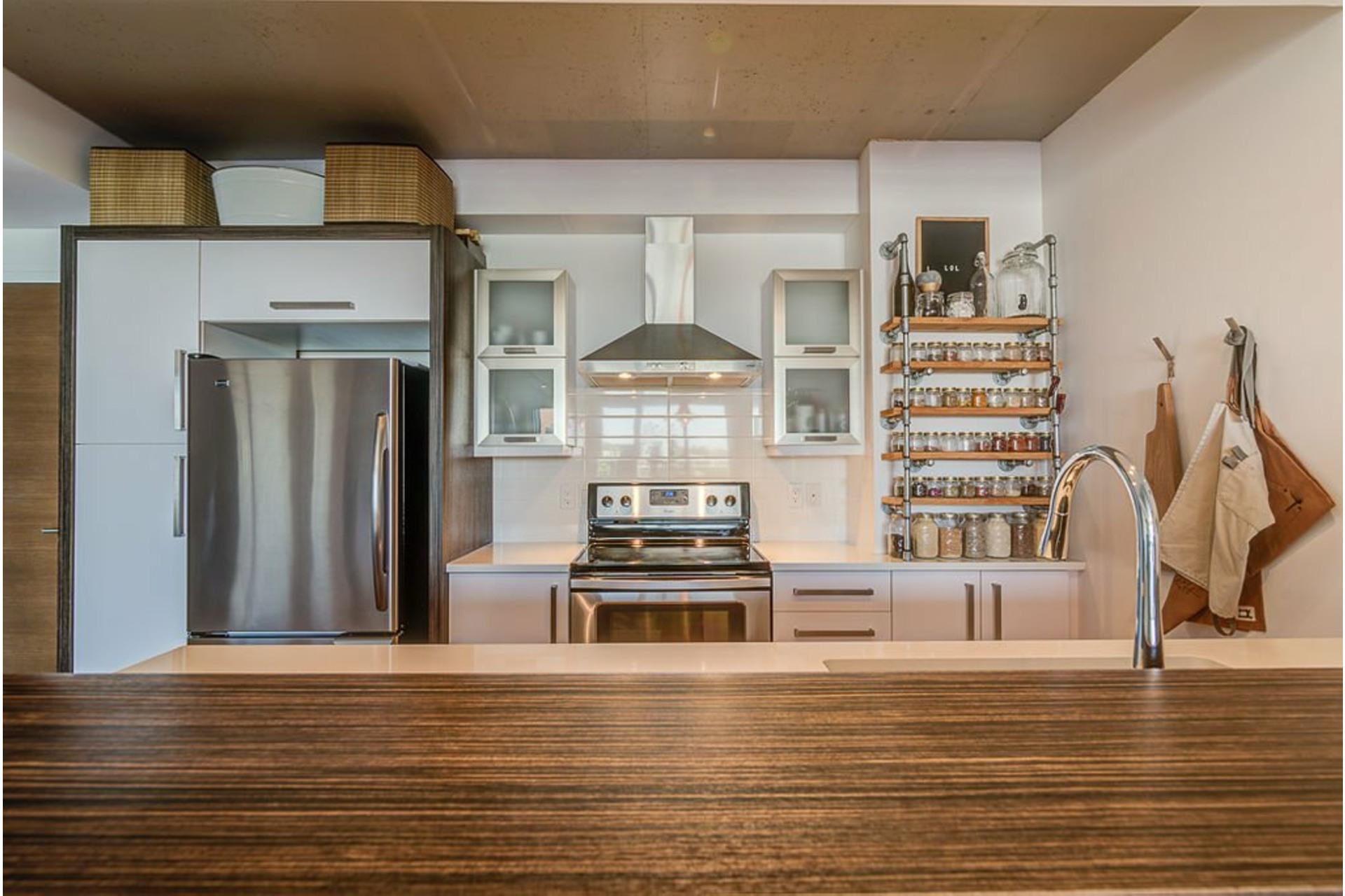 image 9 - Apartment For sale Villeray/Saint-Michel/Parc-Extension Montréal  - 4 rooms
