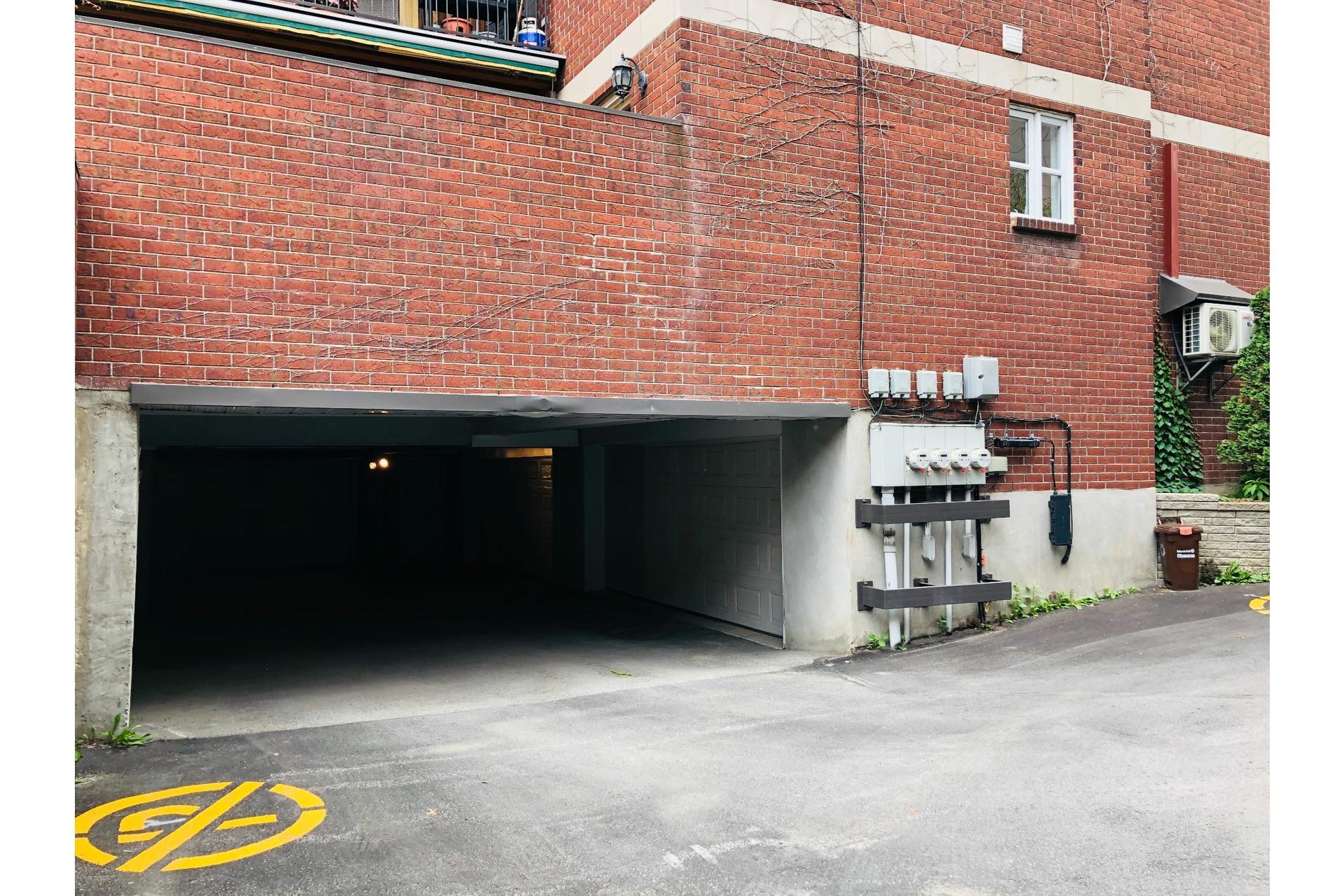 image 29 - Apartment For rent Ville-Marie Montréal  - 9 rooms