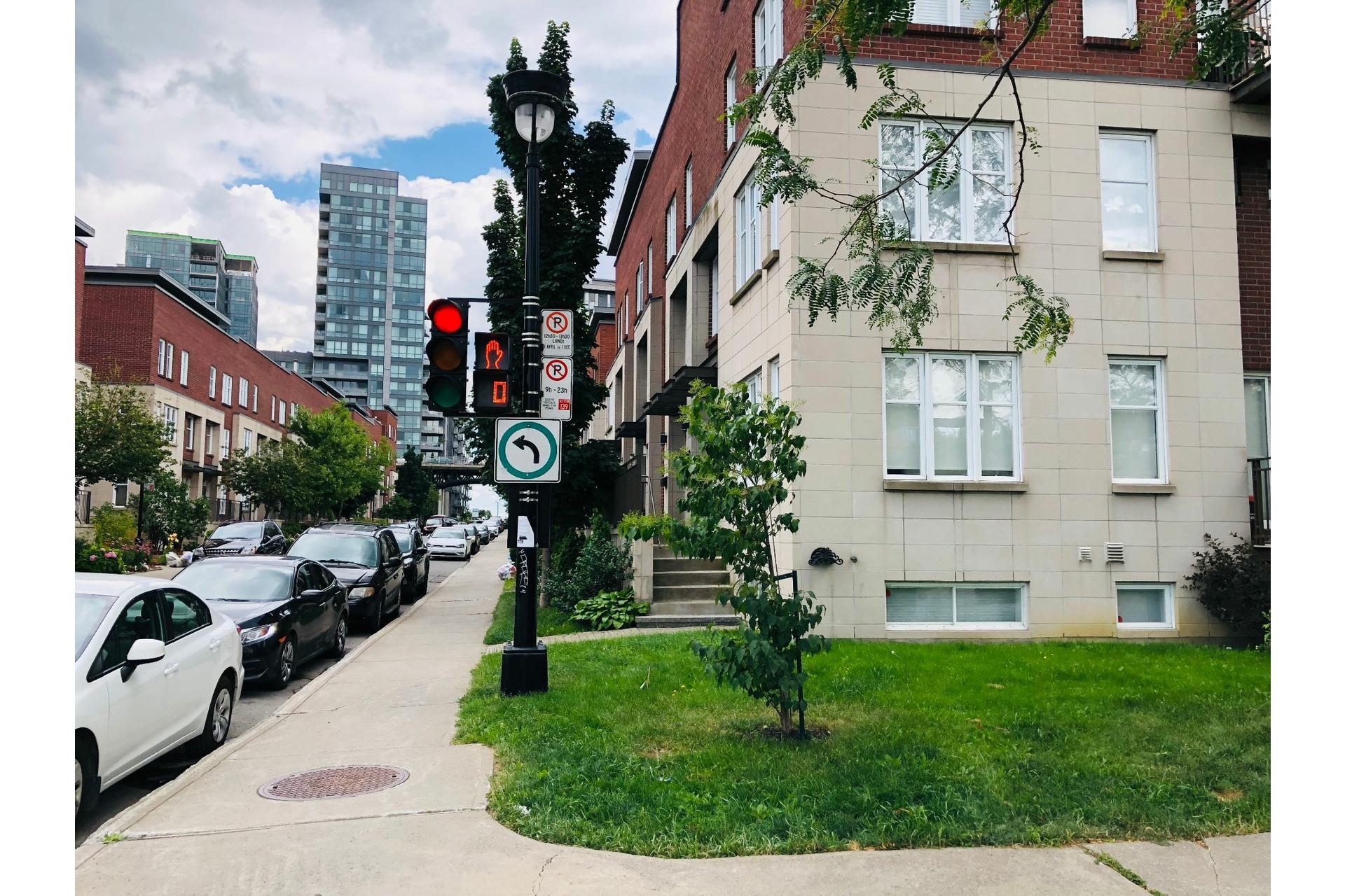 image 31 - Apartment For rent Ville-Marie Montréal  - 9 rooms
