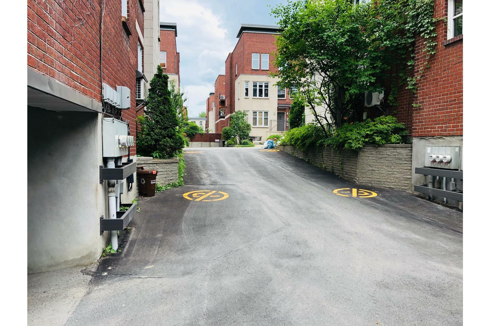 image 28 - Apartment For rent Ville-Marie Montréal  - 9 rooms
