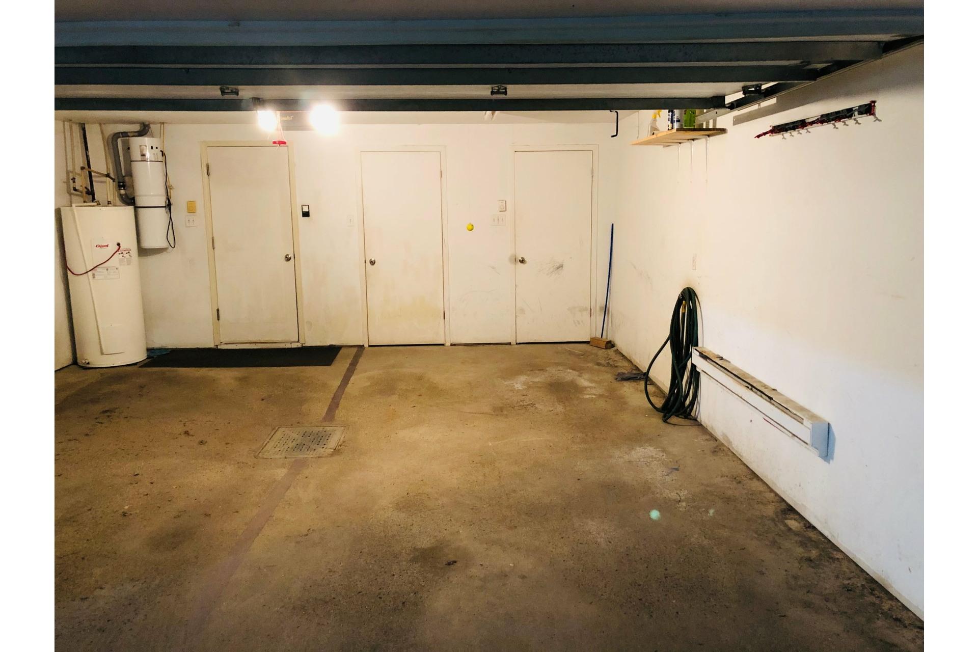 image 27 - Apartment For rent Ville-Marie Montréal  - 9 rooms