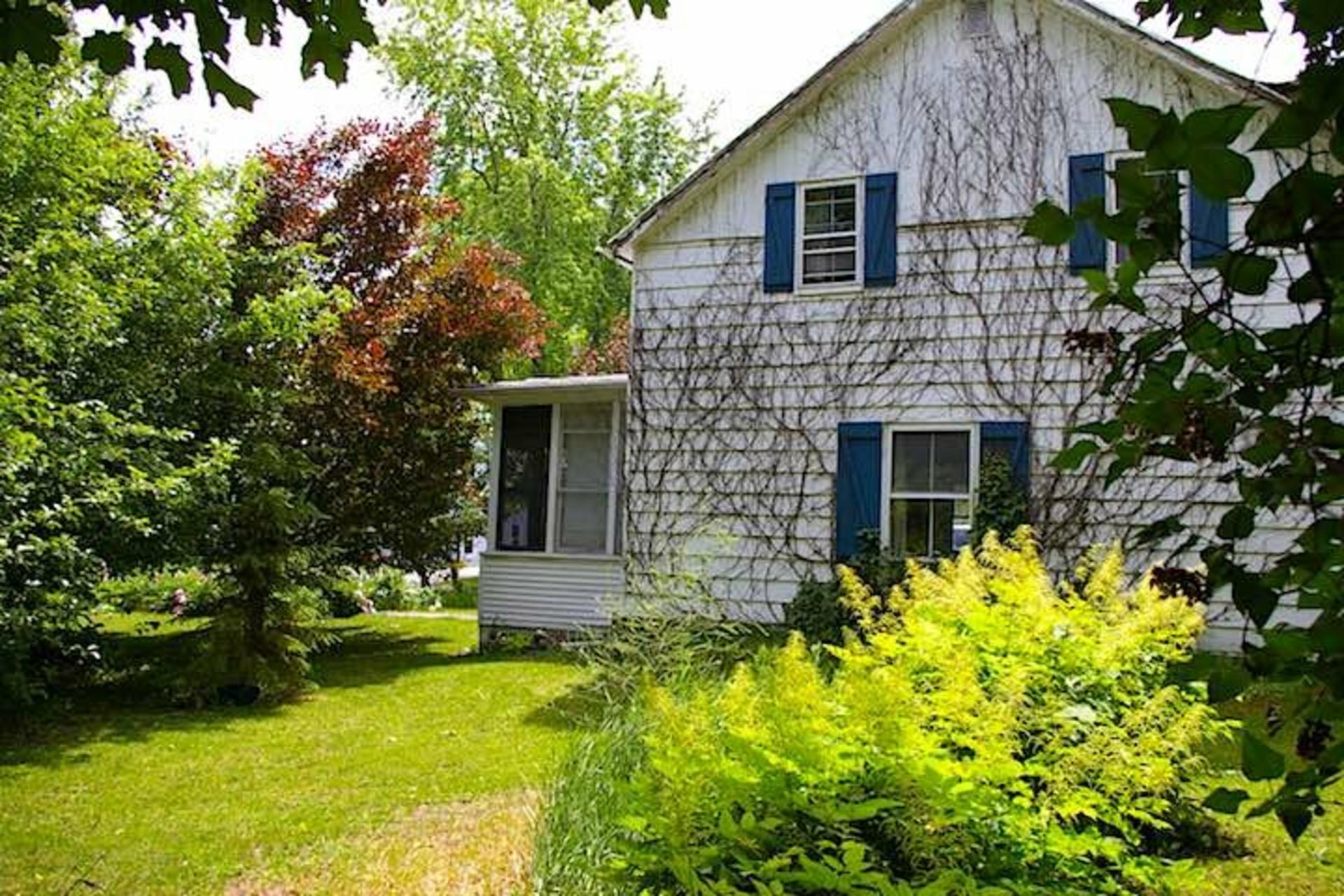 image 2 - Maison À vendre Saint-Georges-de-Clarenceville - 14 pièces