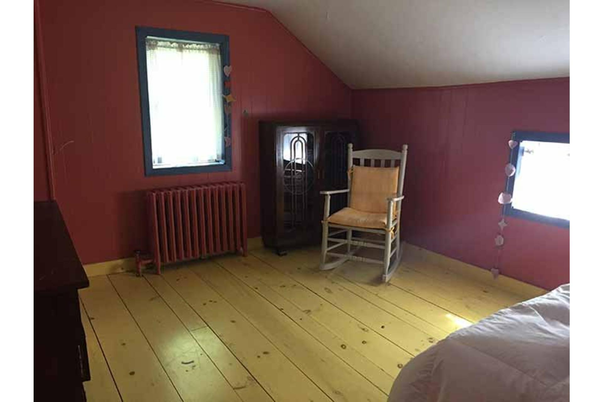image 32 - Maison À vendre Saint-Georges-de-Clarenceville - 14 pièces