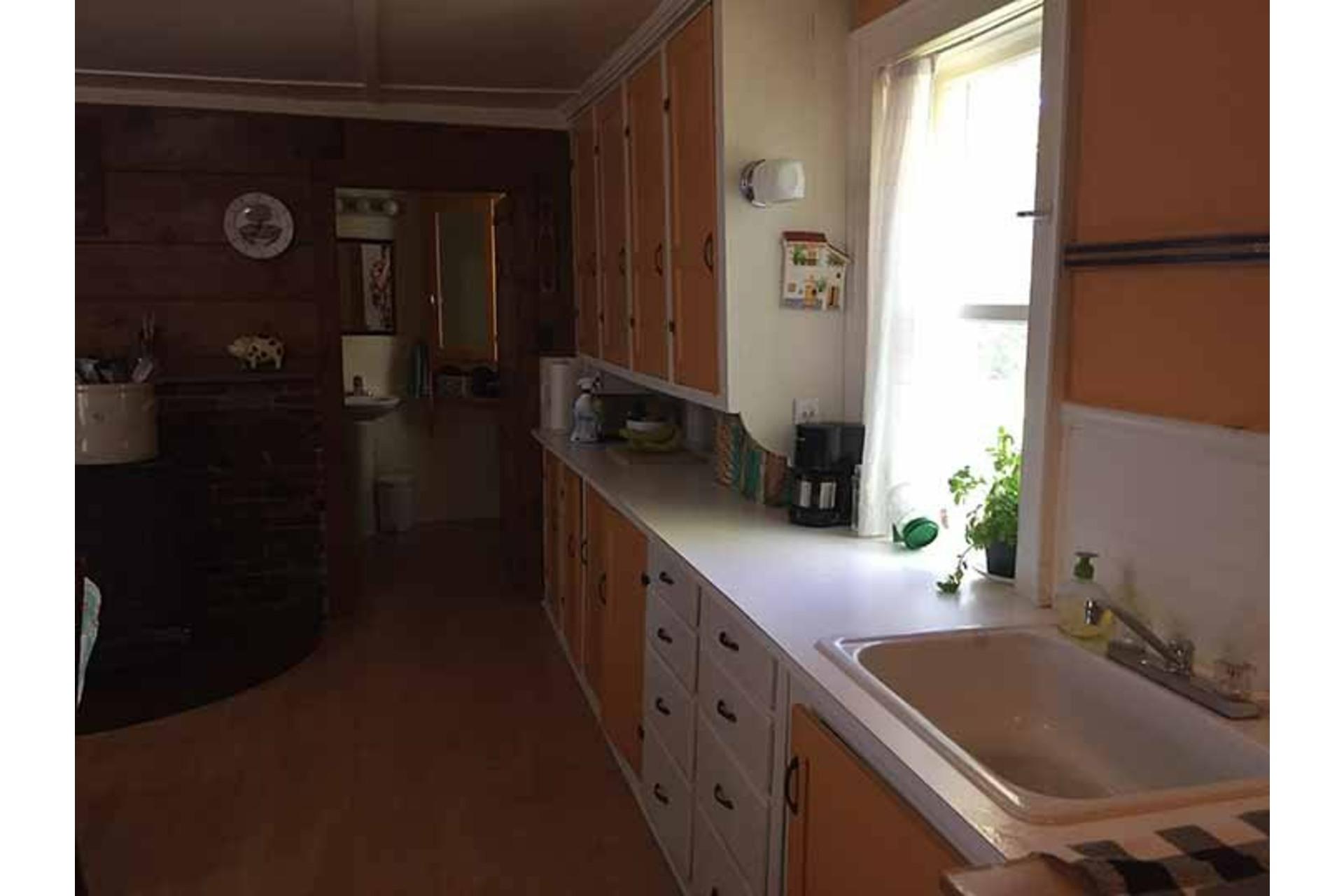 image 14 - Maison À vendre Saint-Georges-de-Clarenceville - 14 pièces