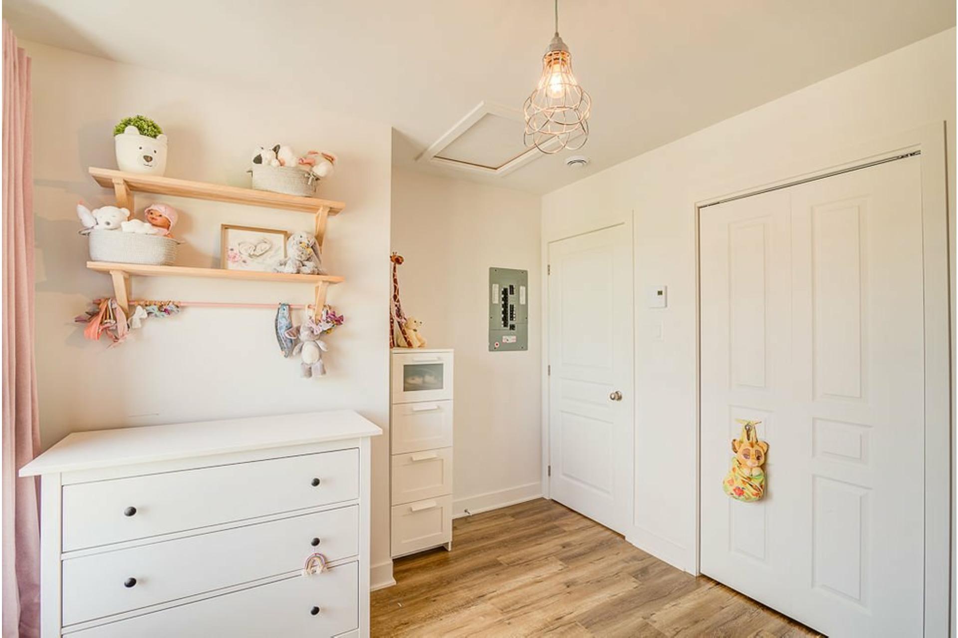 image 16 - Appartement À vendre Mirabel - 6 pièces