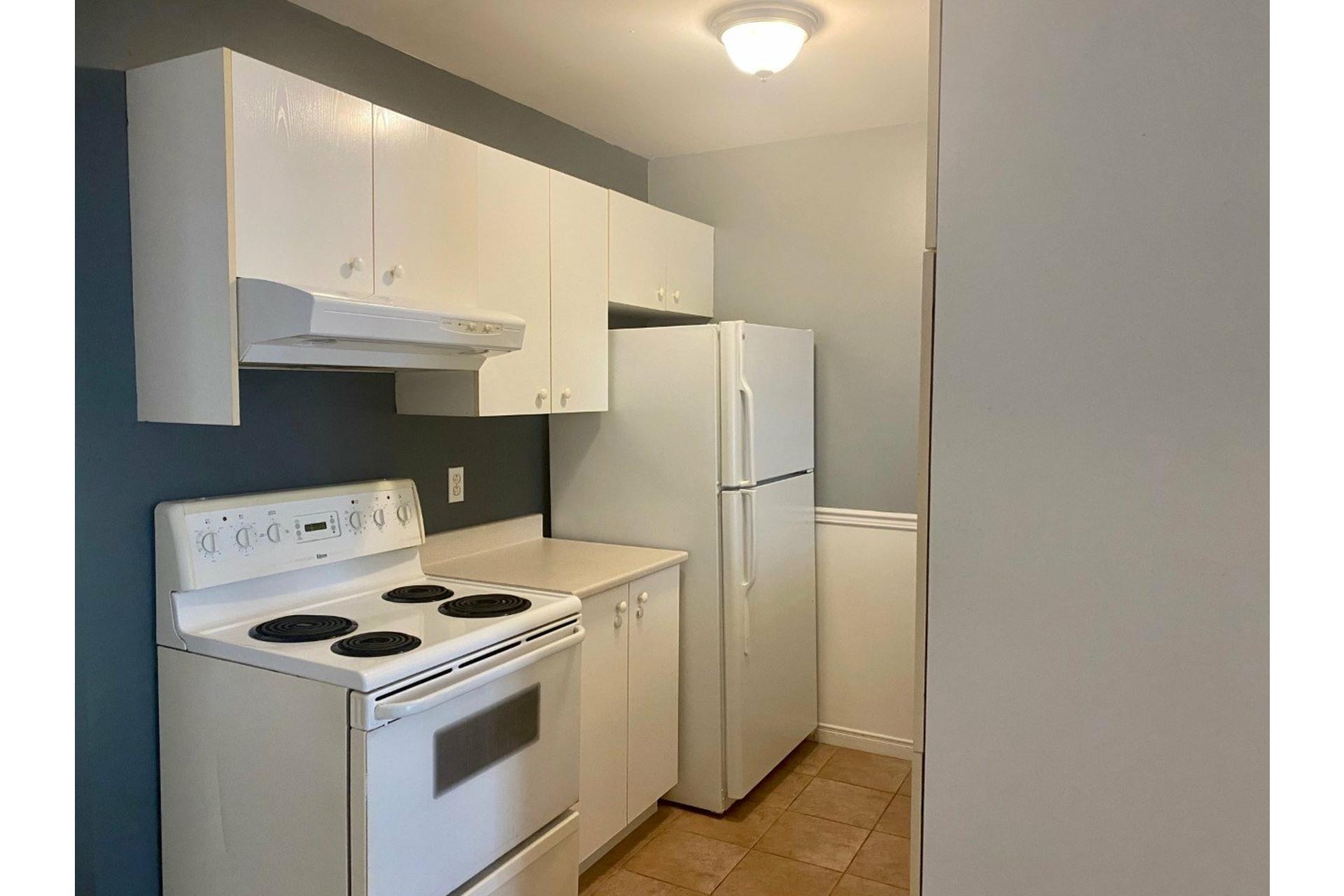 image 3 - Apartment For rent Verdun/Île-des-Soeurs Montréal  - 5 rooms