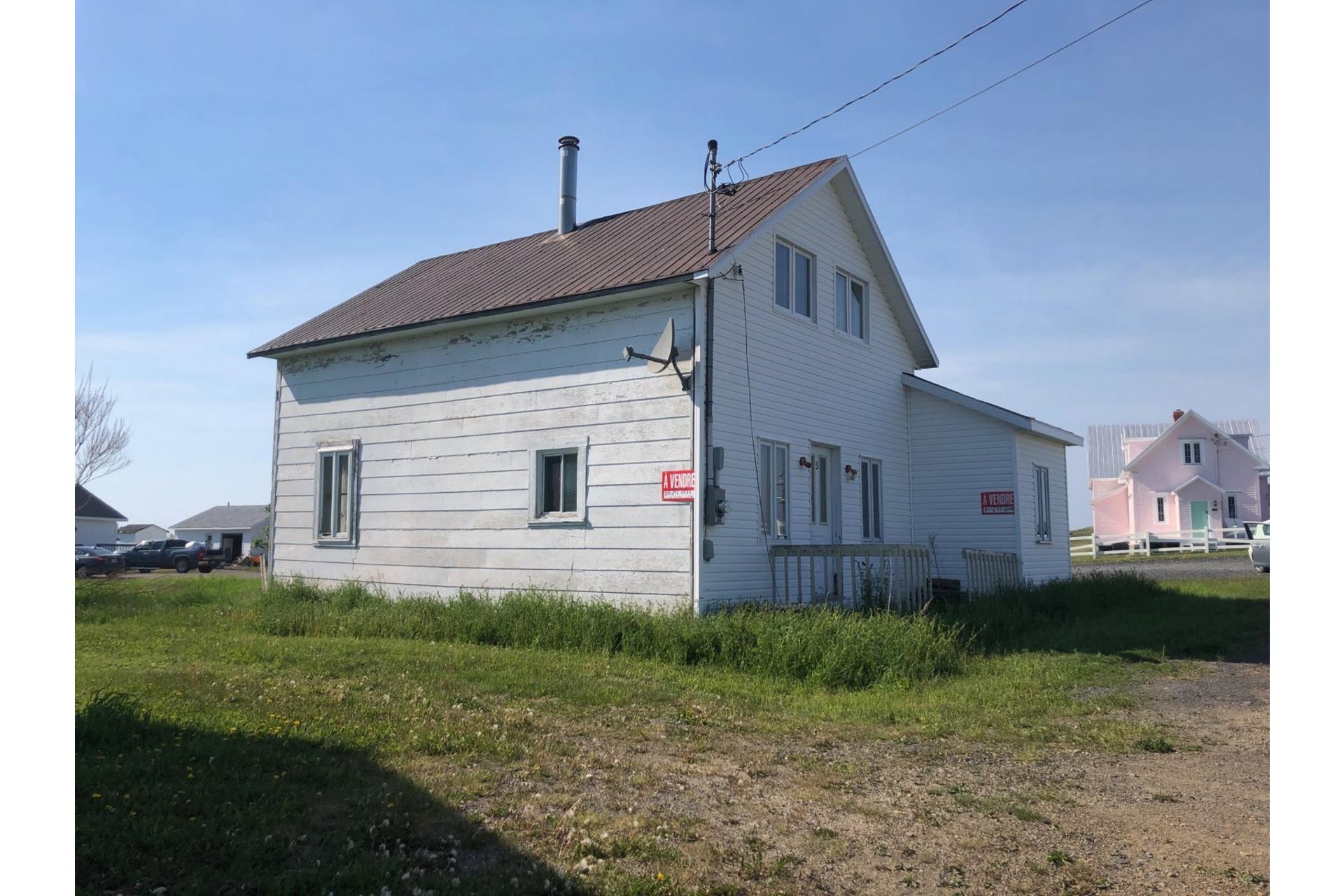 image 9 - Maison À vendre Sainte-Madeleine-de-la-Rivière-Madeleine - 6 pièces