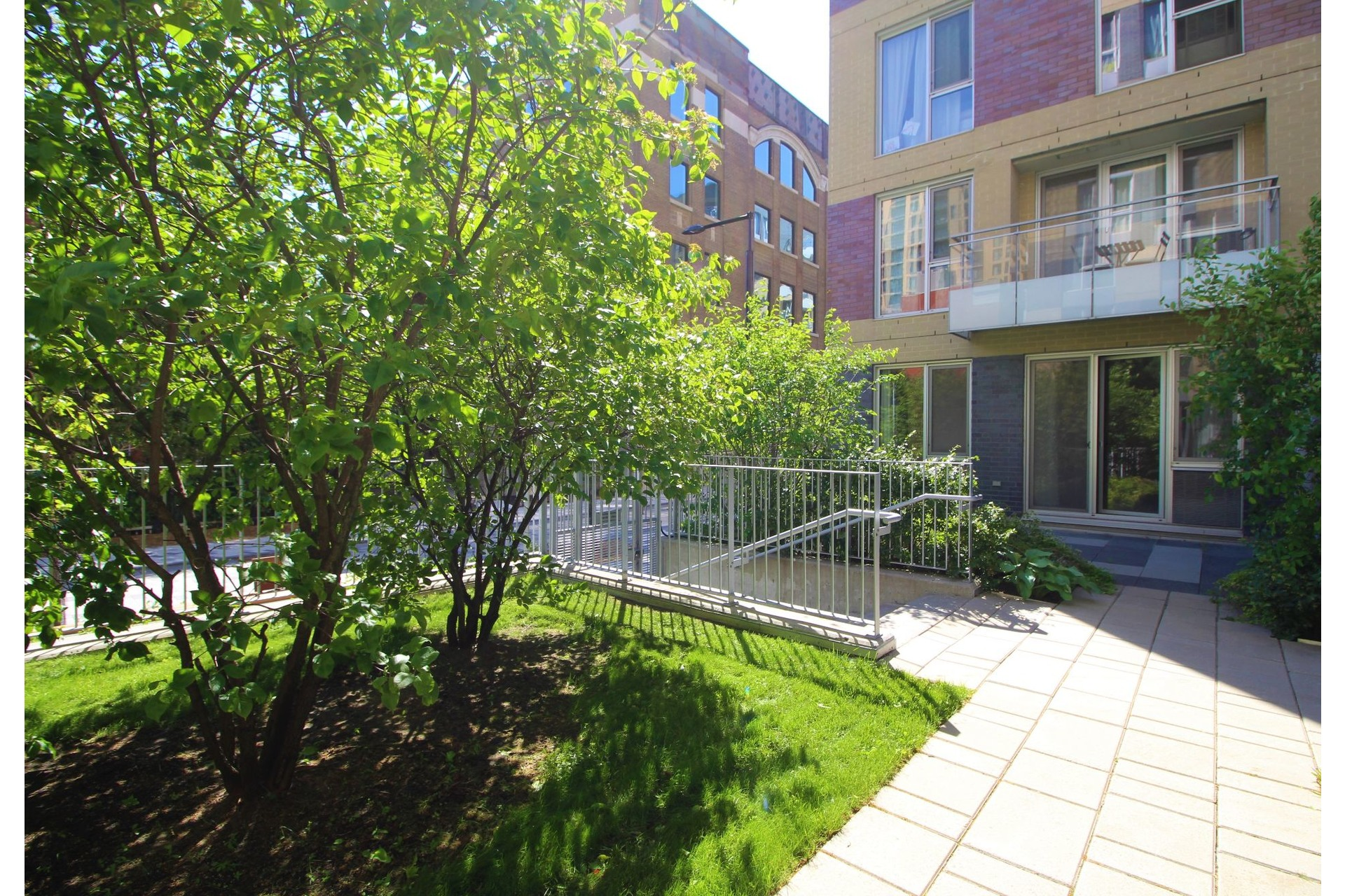 image 18 - Appartement À louer Le Sud-Ouest Montréal  - 4 pièces