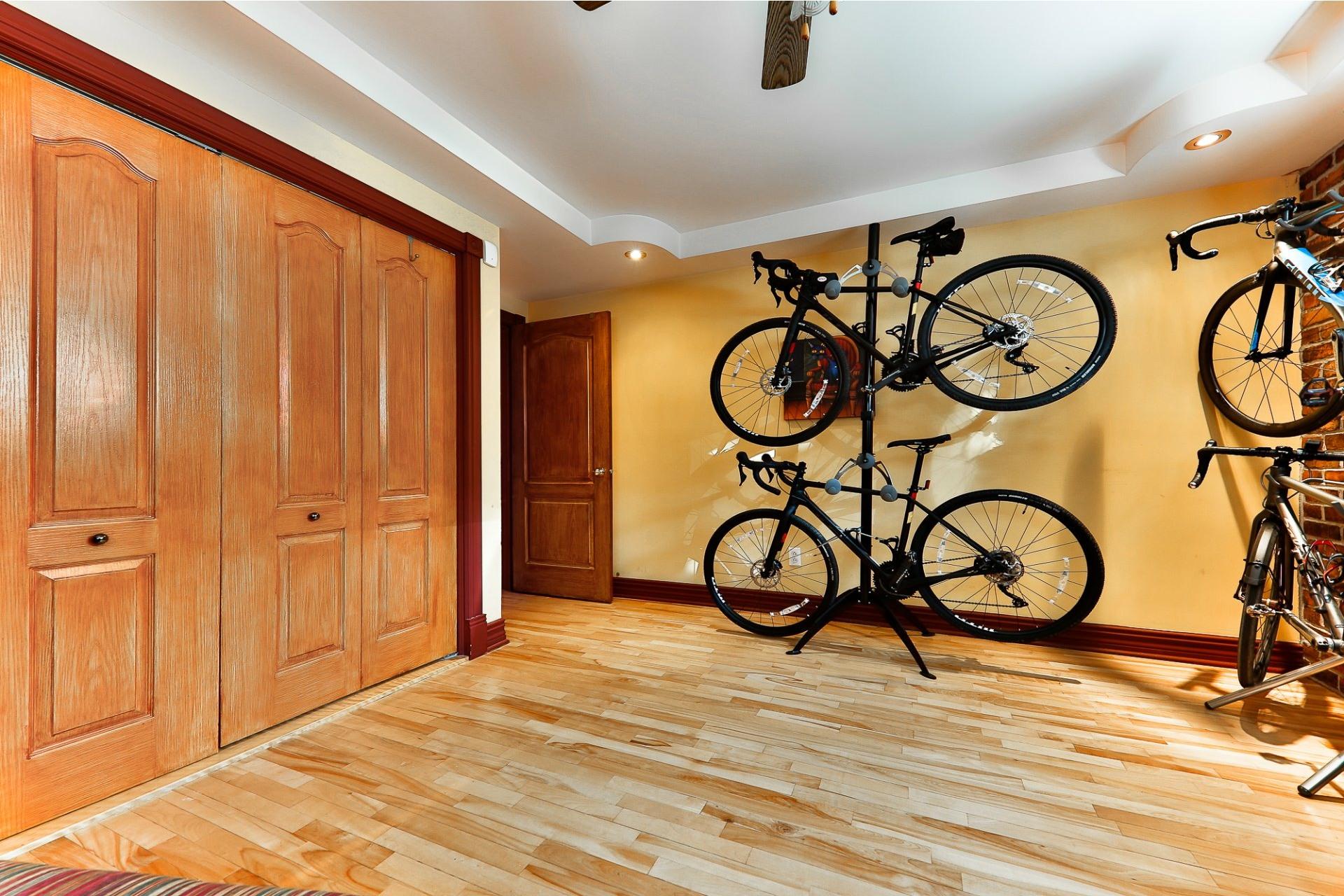 image 9 - Apartment For sale Villeray/Saint-Michel/Parc-Extension Montréal  - 6 rooms