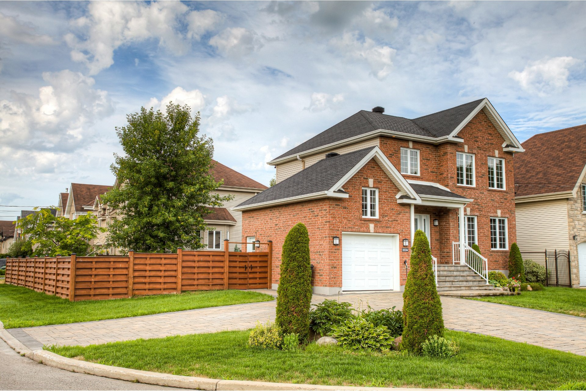 image 1 - House For sale Vaudreuil-Dorion - 9 rooms
