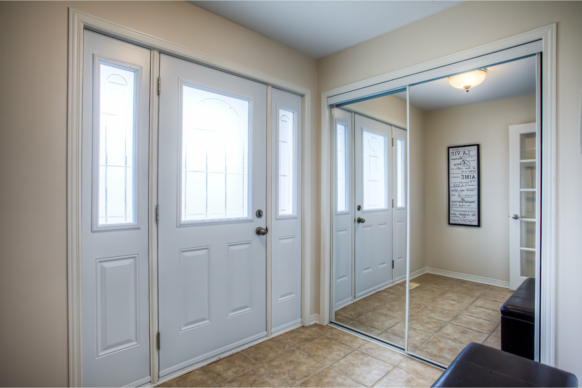 image 2 - House For sale Vaudreuil-Dorion - 9 rooms
