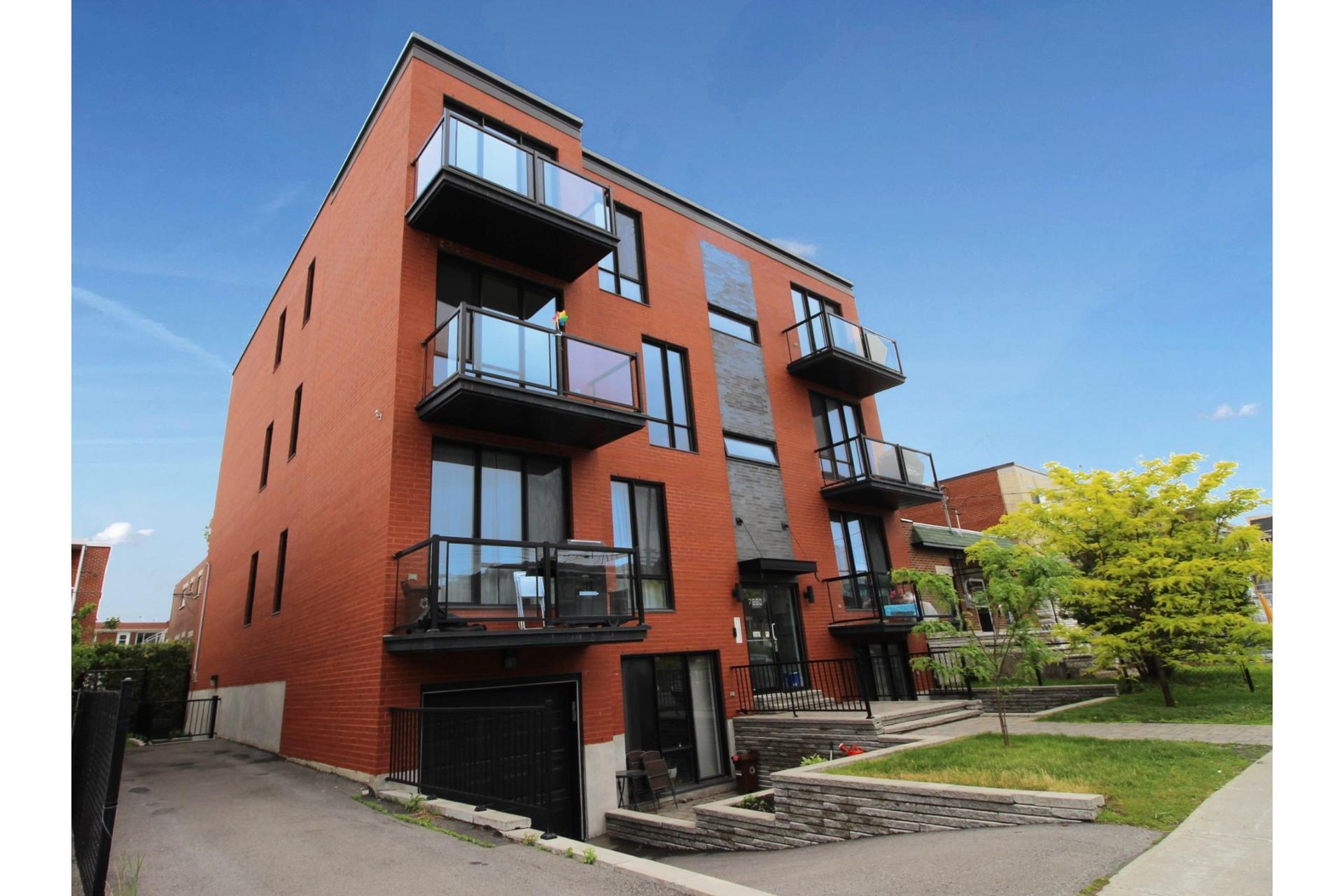 image 2 - Appartement À vendre Villeray/Saint-Michel/Parc-Extension Montréal  - 6 pièces