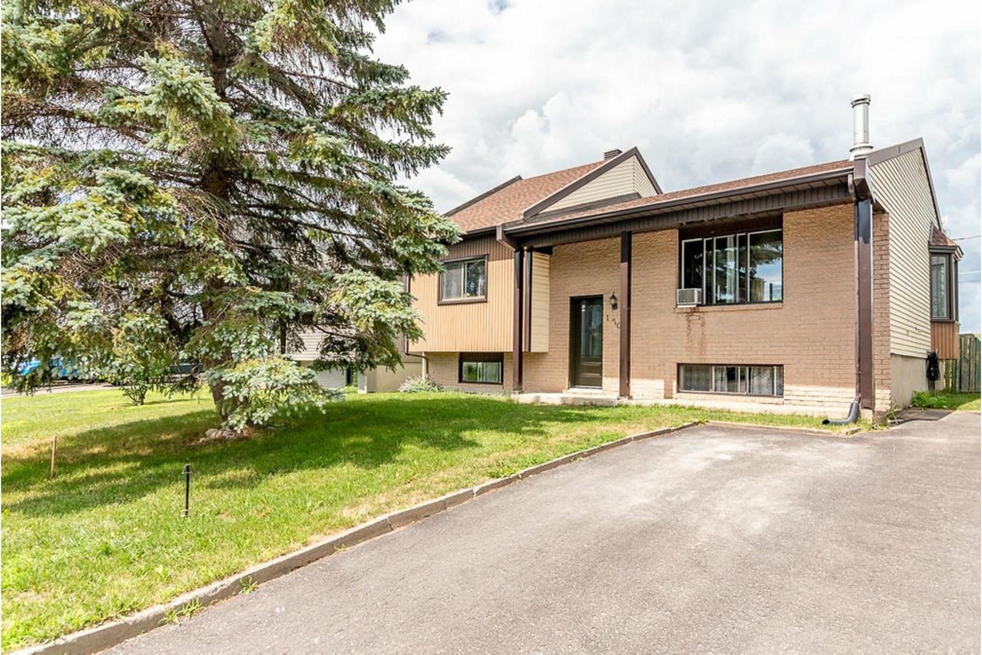 image 0 - House For sale Sainte-Anne-des-Plaines - 10 rooms
