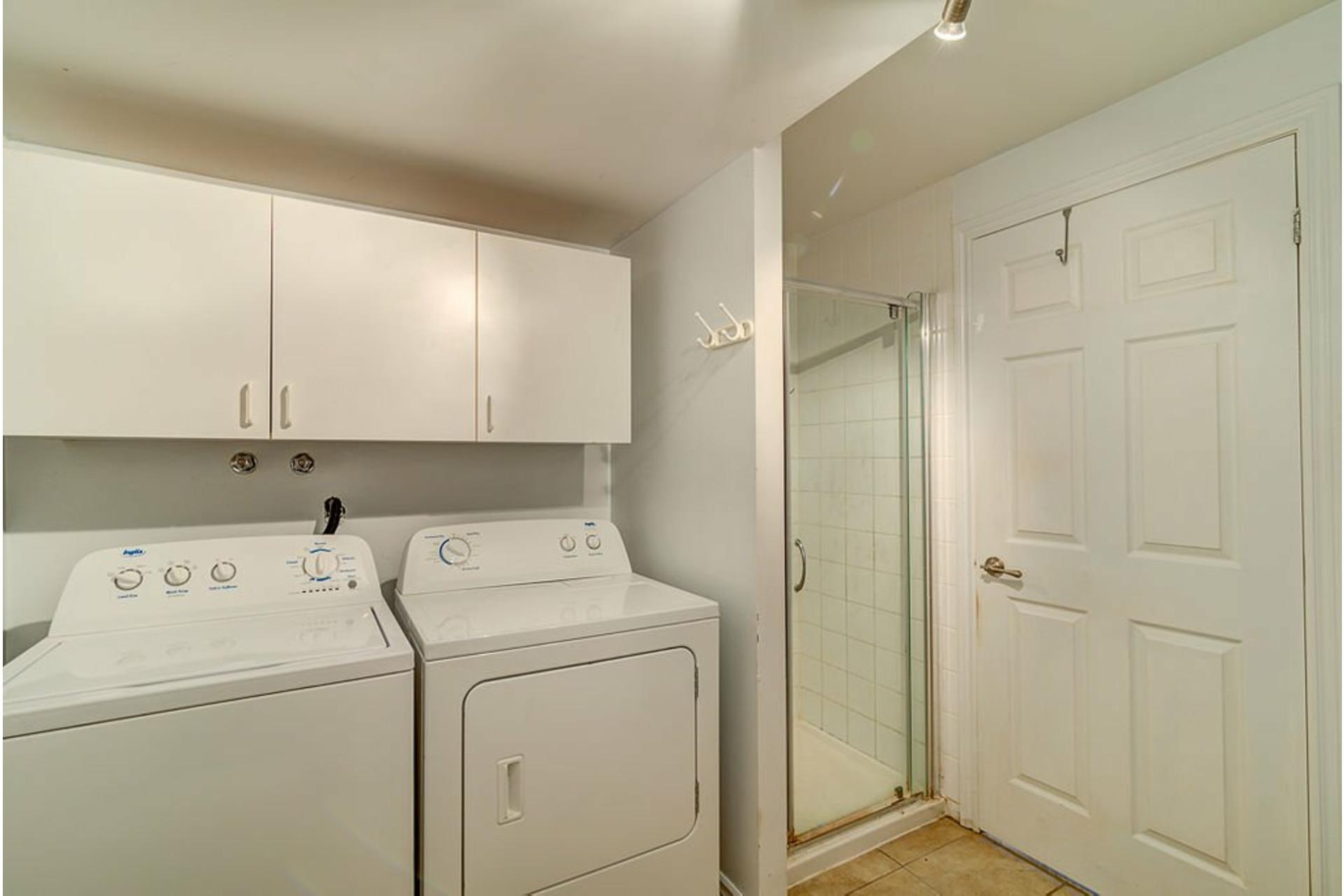 image 23 - House For sale Sainte-Anne-des-Plaines - 10 rooms