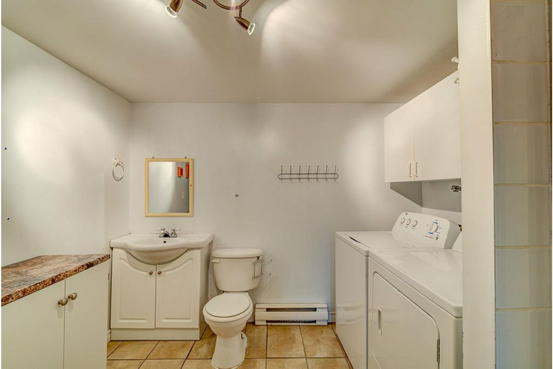 image 22 - House For sale Sainte-Anne-des-Plaines - 10 rooms