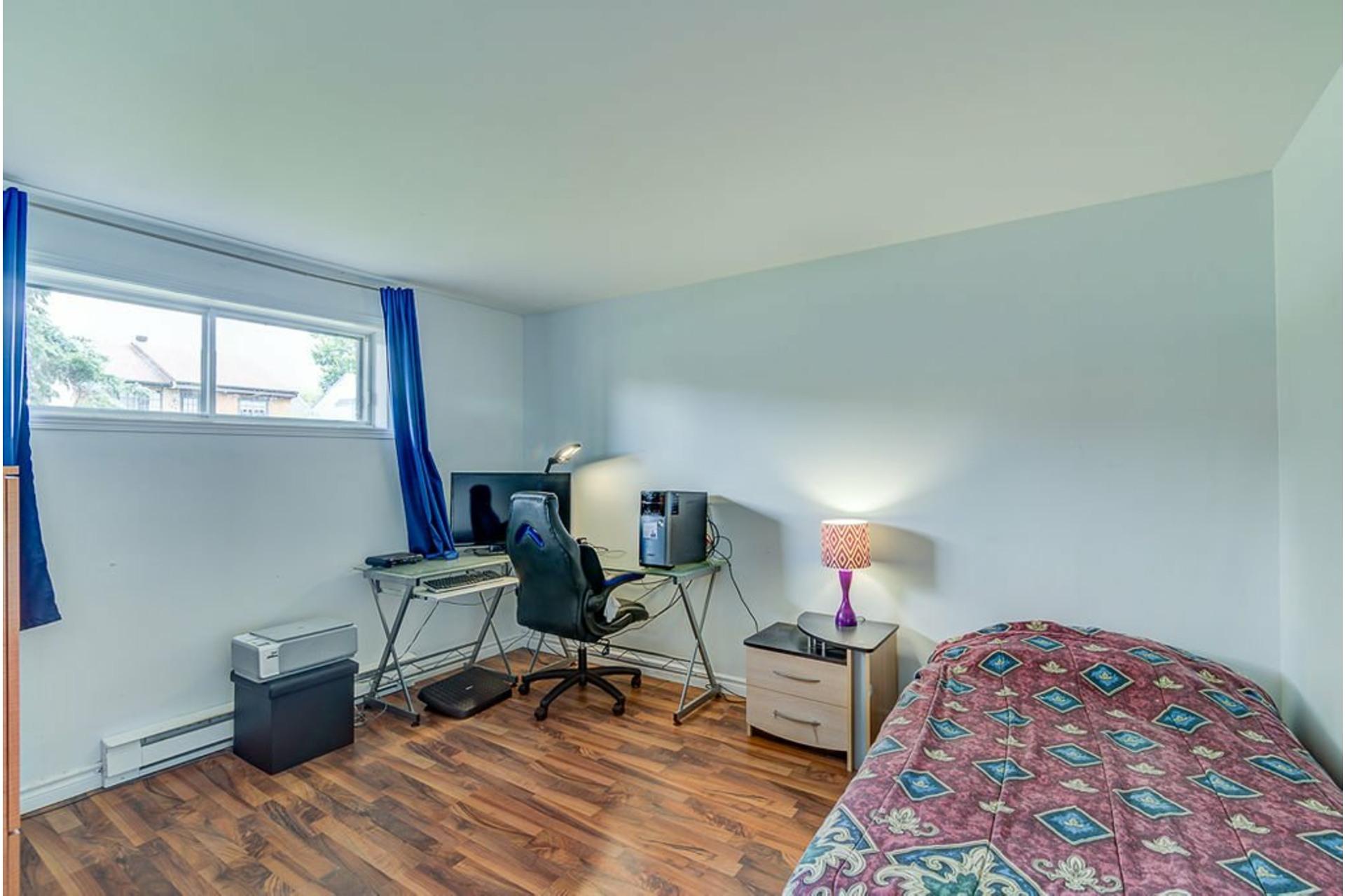 image 18 - House For sale Sainte-Anne-des-Plaines - 10 rooms
