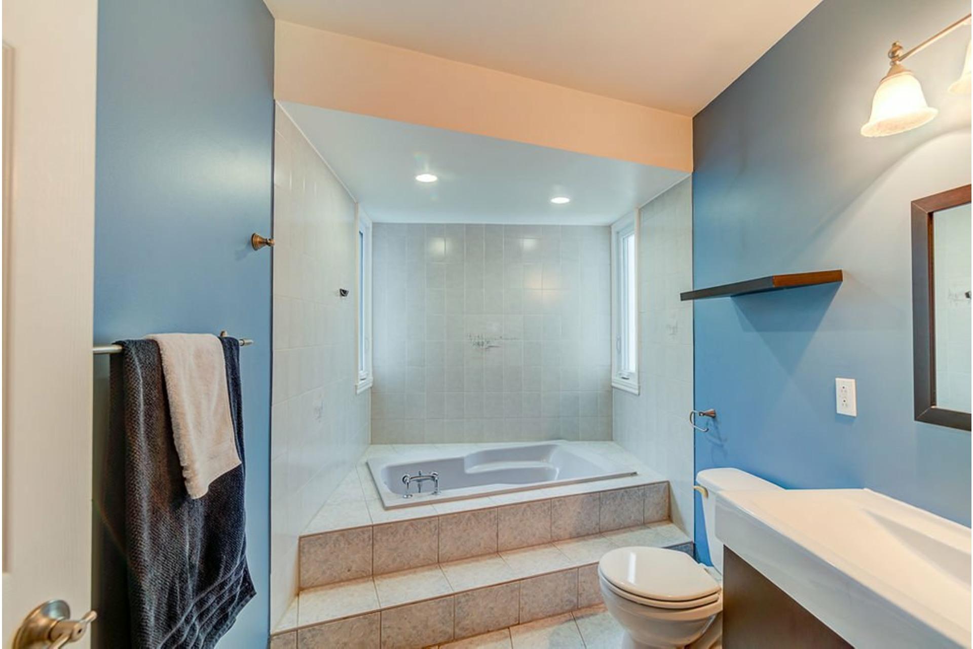 image 13 - House For sale Sainte-Anne-des-Plaines - 10 rooms