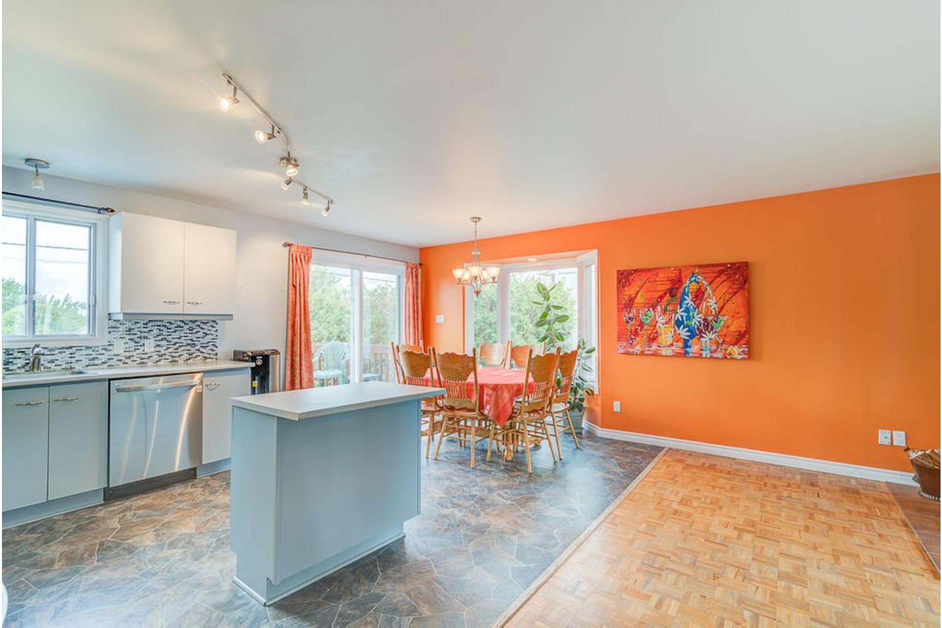 image 4 - House For sale Sainte-Anne-des-Plaines - 10 rooms