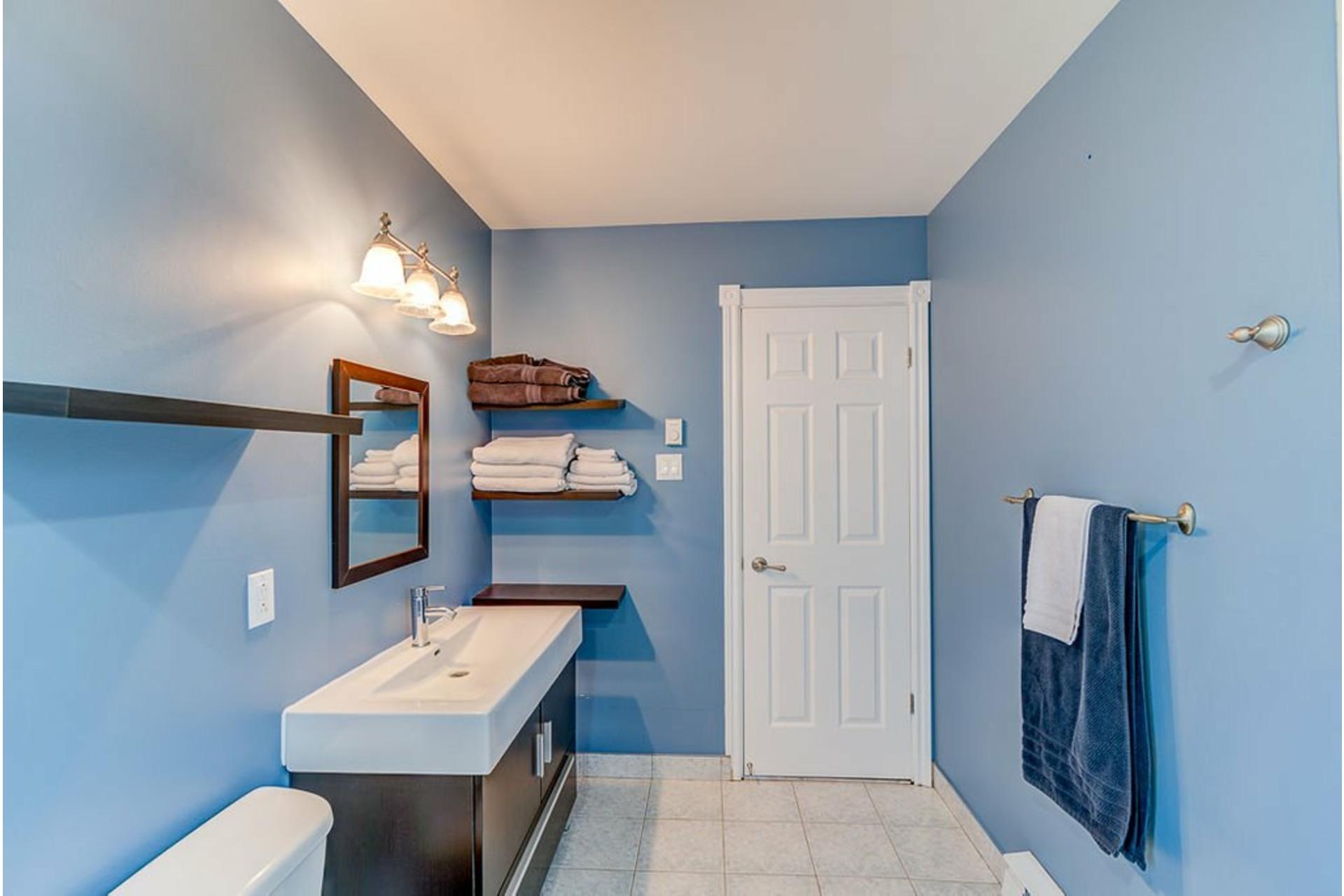 image 12 - House For sale Sainte-Anne-des-Plaines - 10 rooms
