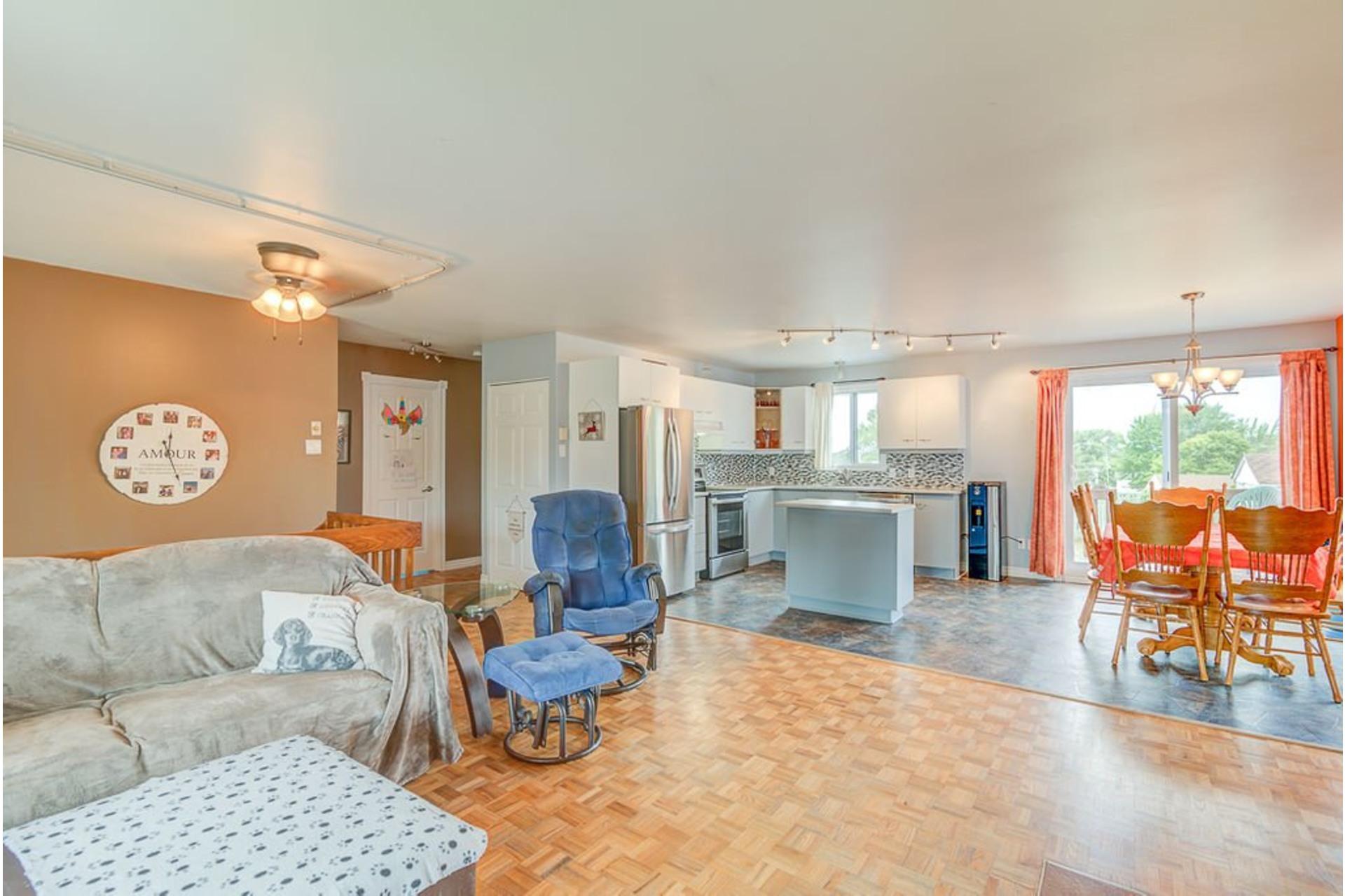 image 7 - House For sale Sainte-Anne-des-Plaines - 10 rooms