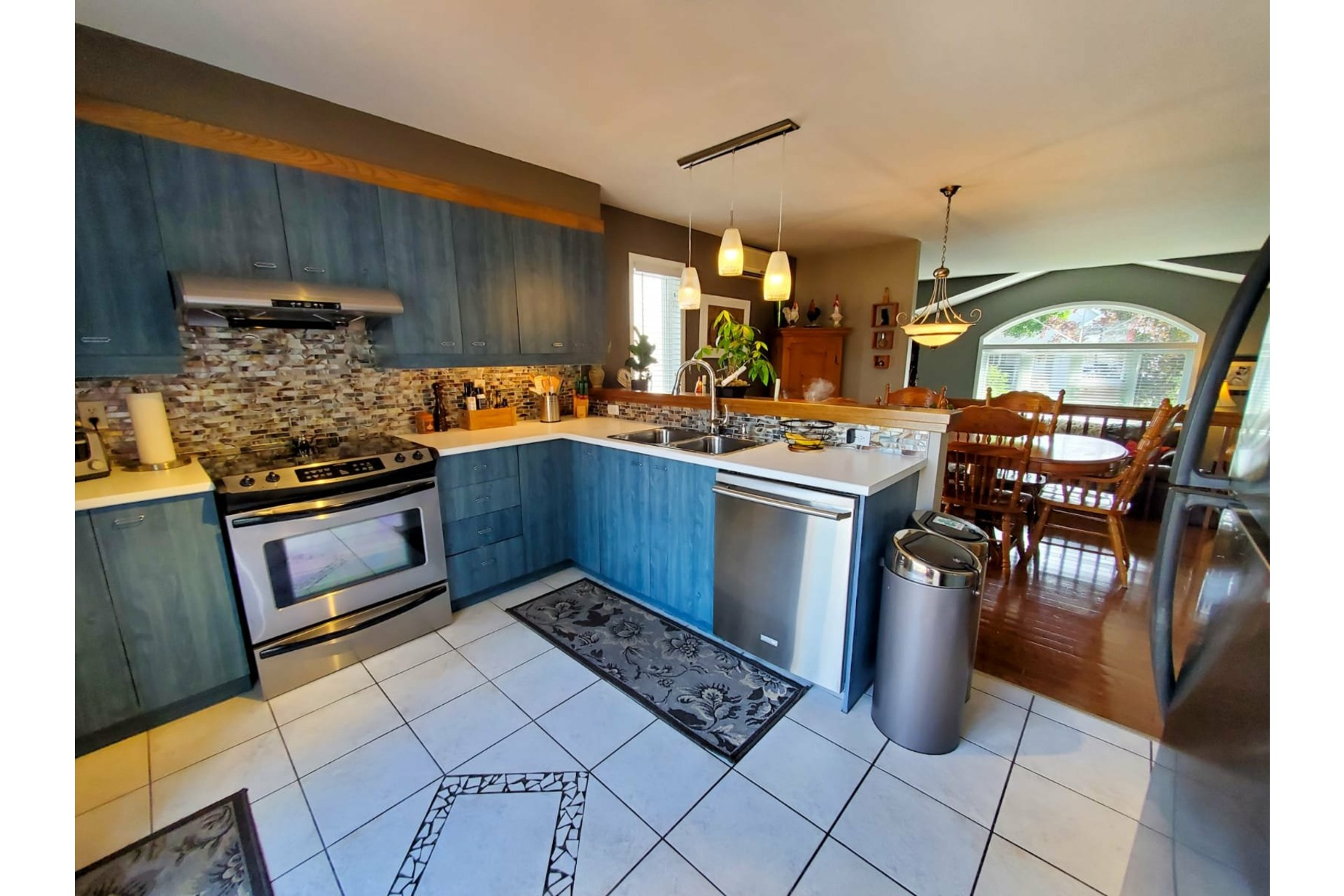 image 5 - House For sale Vaudreuil-Dorion - 12 rooms