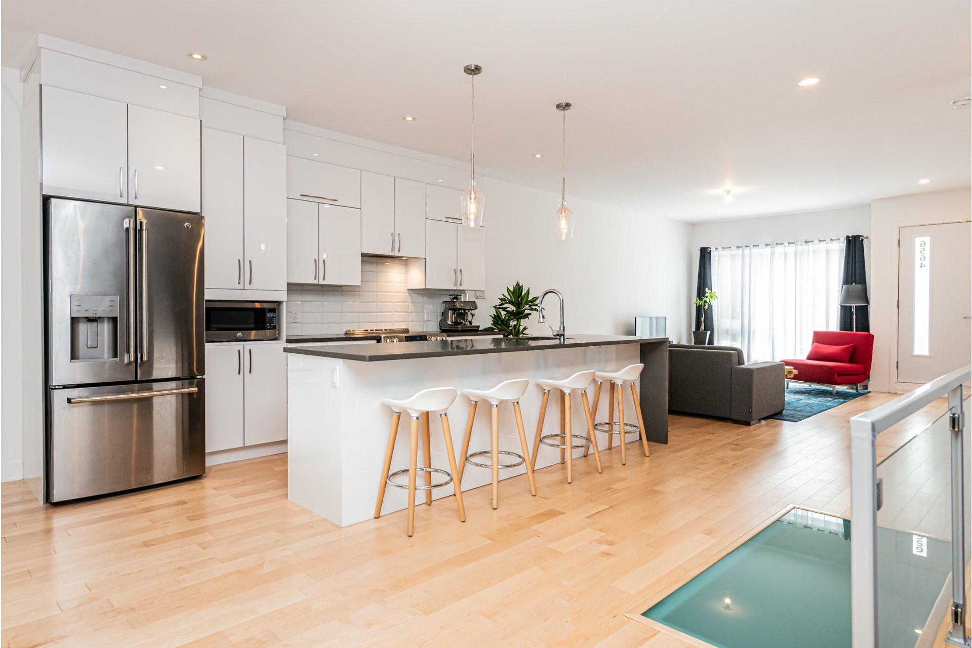 image 9 - Apartment For rent Rosemont/La Petite-Patrie Montréal  - 8 rooms