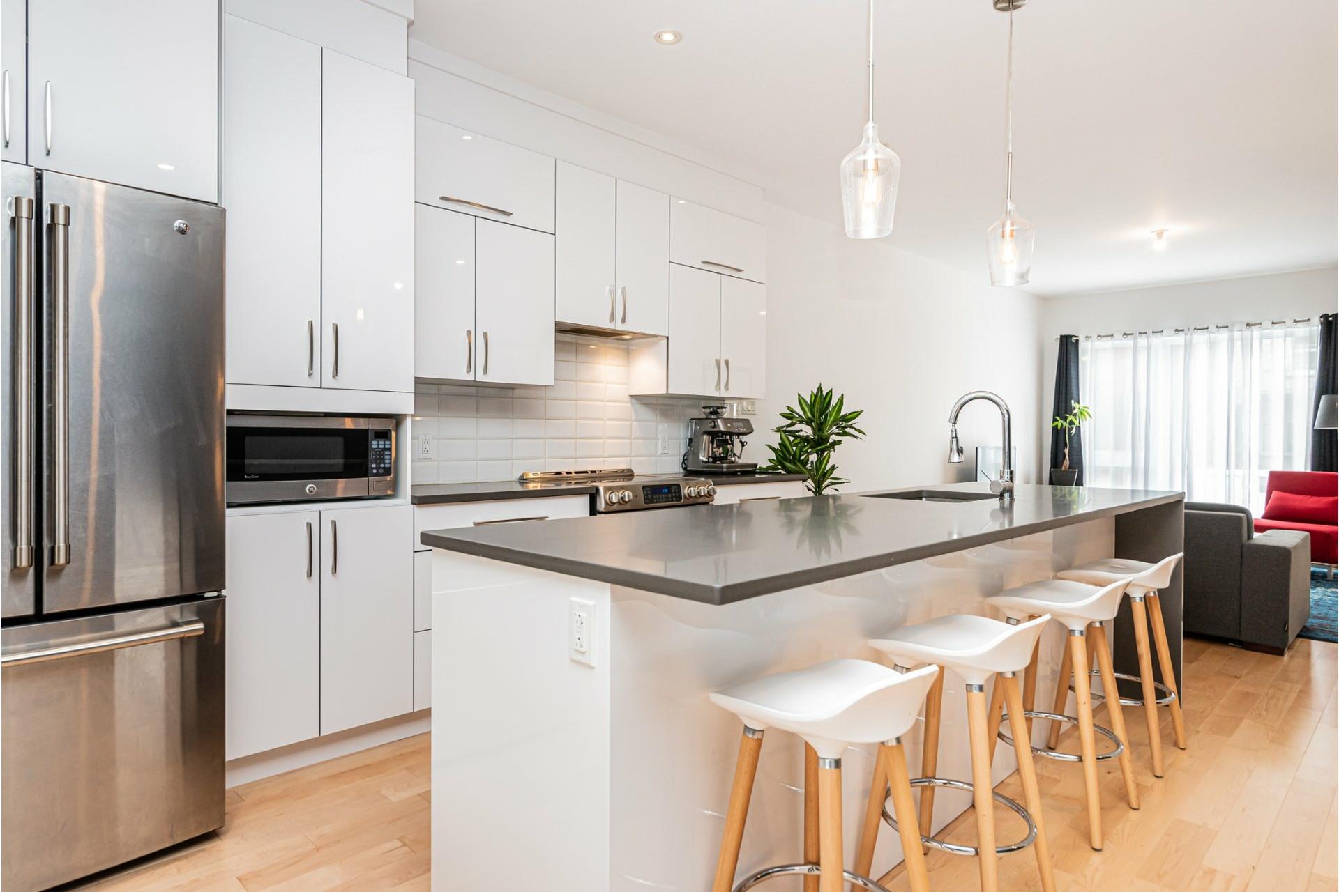 image 10 - Apartment For rent Rosemont/La Petite-Patrie Montréal  - 8 rooms