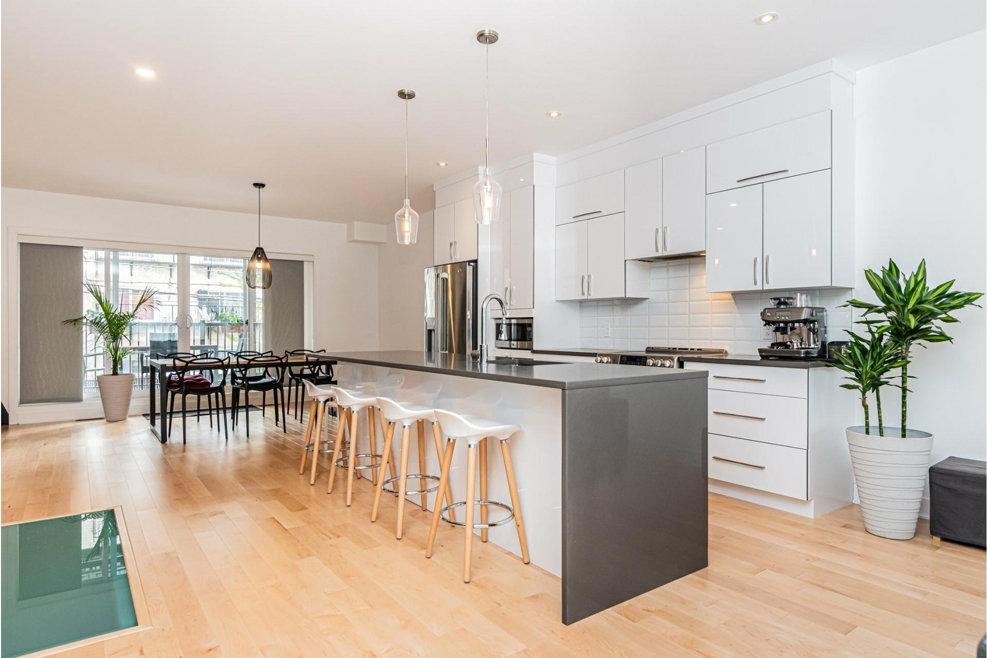 image 7 - Apartment For rent Rosemont/La Petite-Patrie Montréal  - 8 rooms