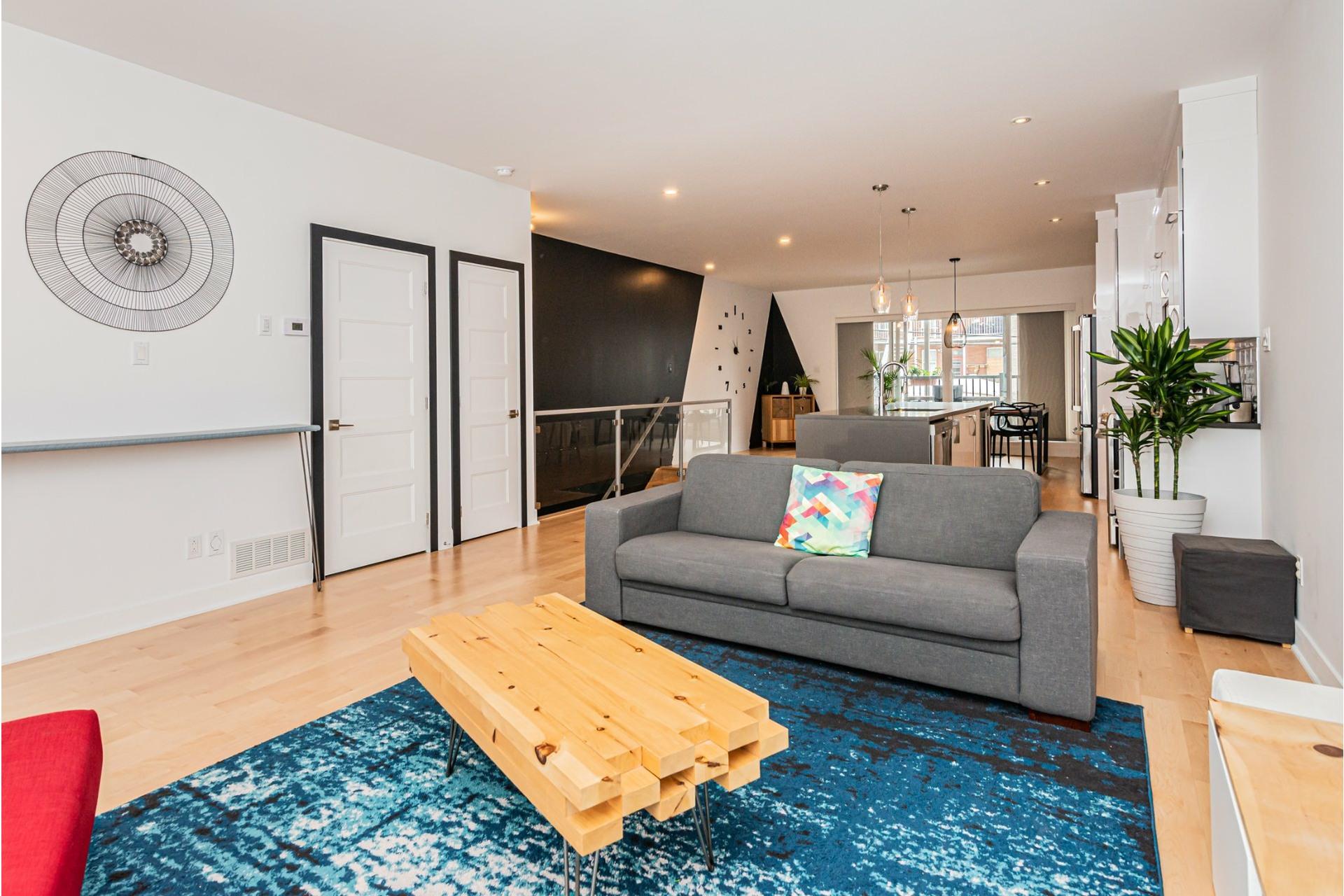 image 4 - Apartment For rent Rosemont/La Petite-Patrie Montréal  - 8 rooms
