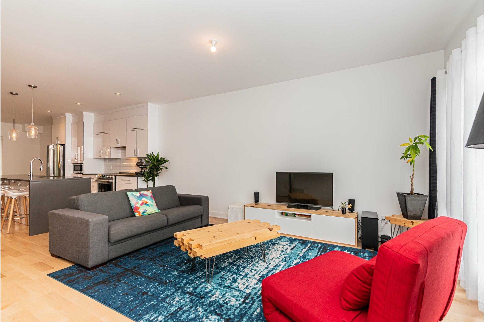 image 3 - Apartment For rent Rosemont/La Petite-Patrie Montréal  - 8 rooms