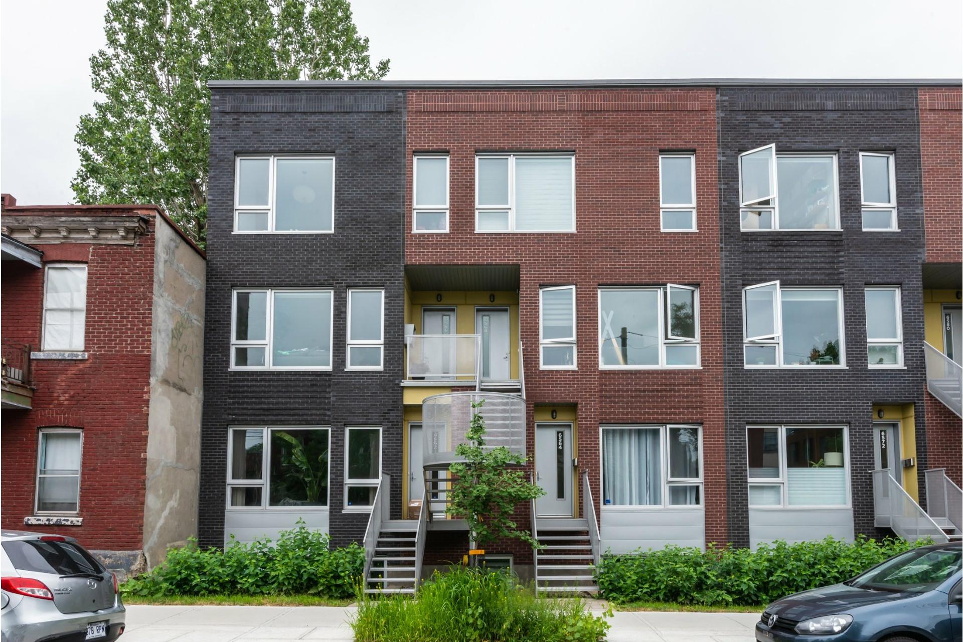 image 1 - Apartment For rent Rosemont/La Petite-Patrie Montréal  - 8 rooms