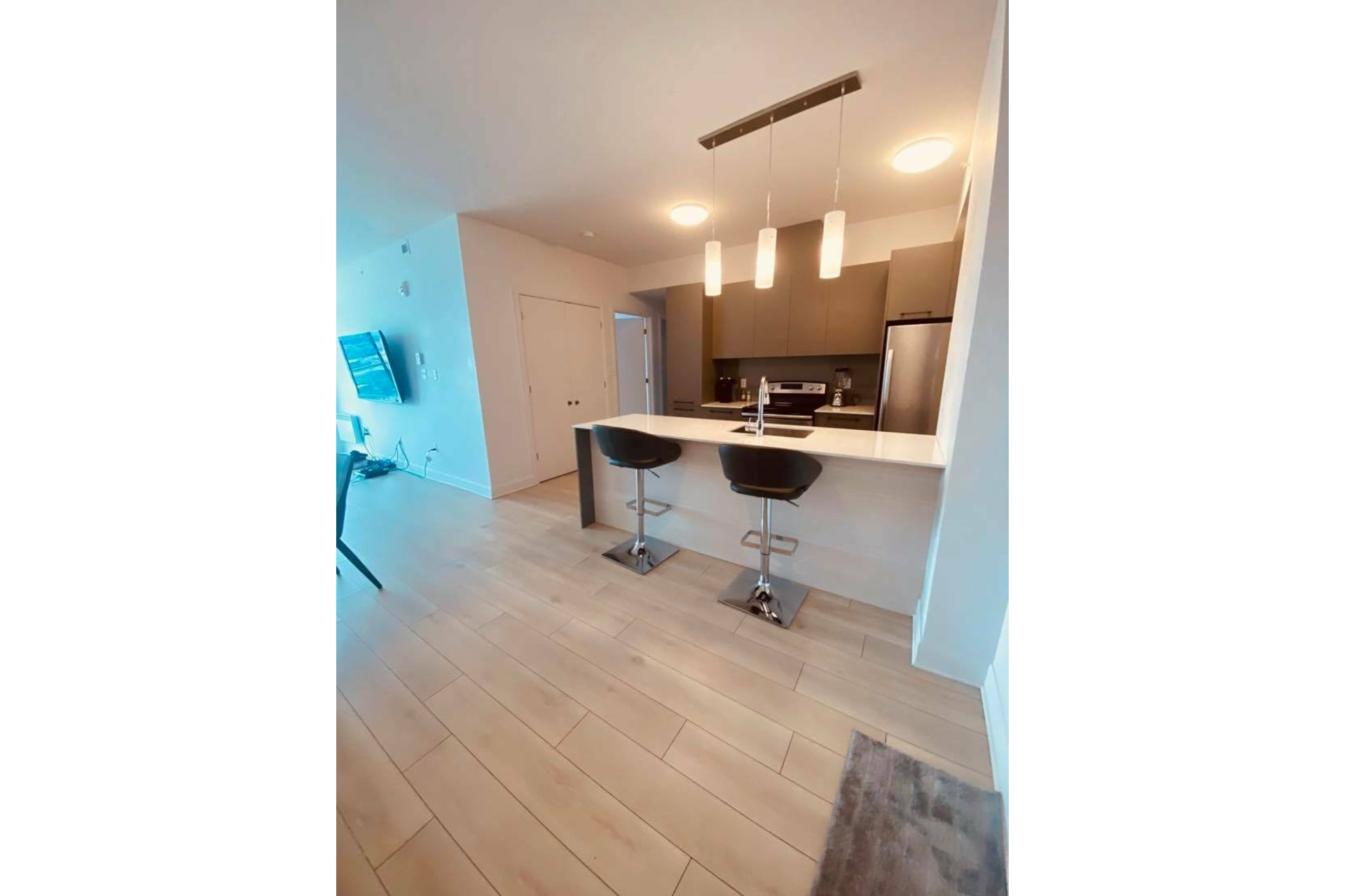 image 2 - Apartment For rent Chomedey Laval  - 5 rooms