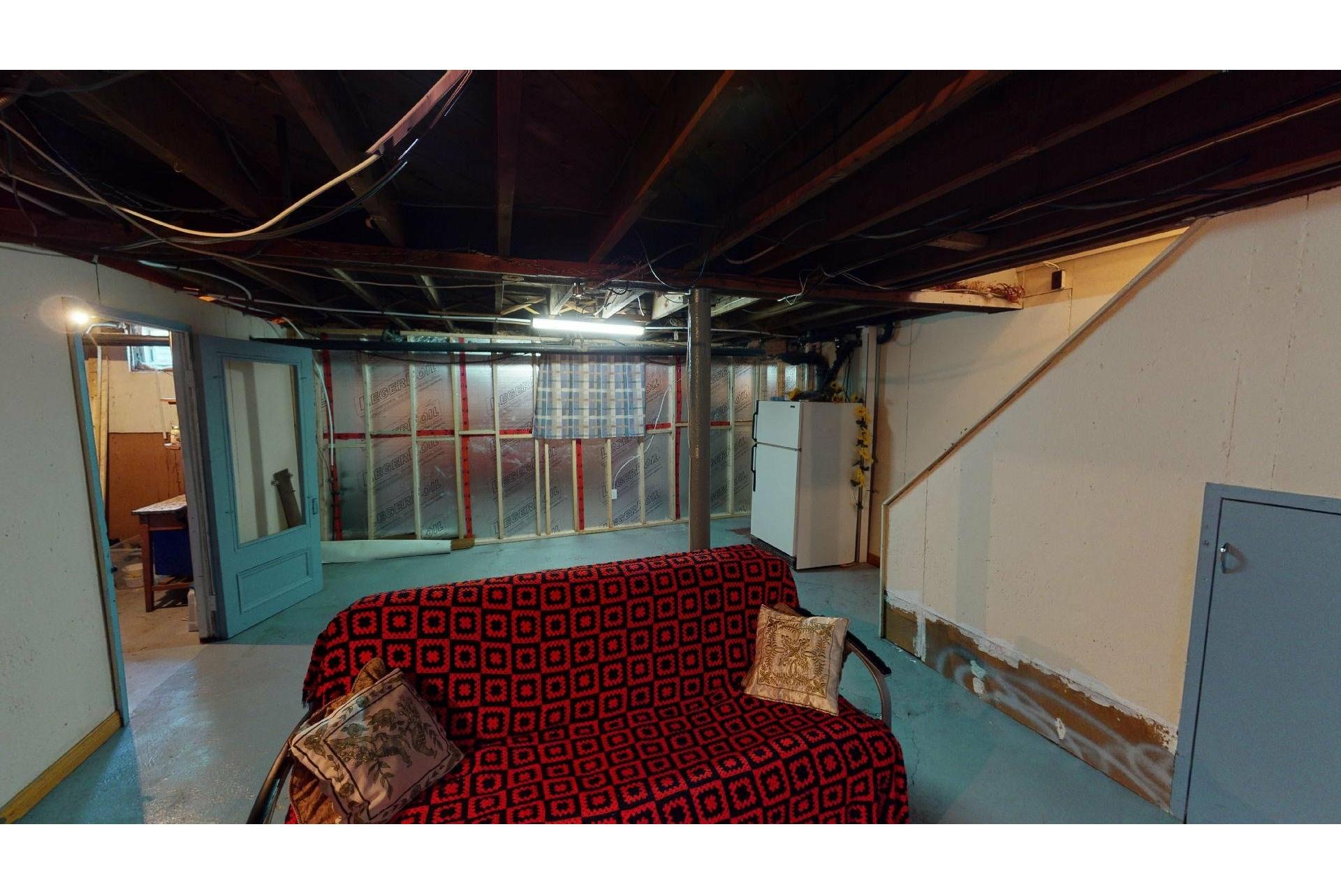 image 28 - Maison À vendre Shawinigan - 12 pièces