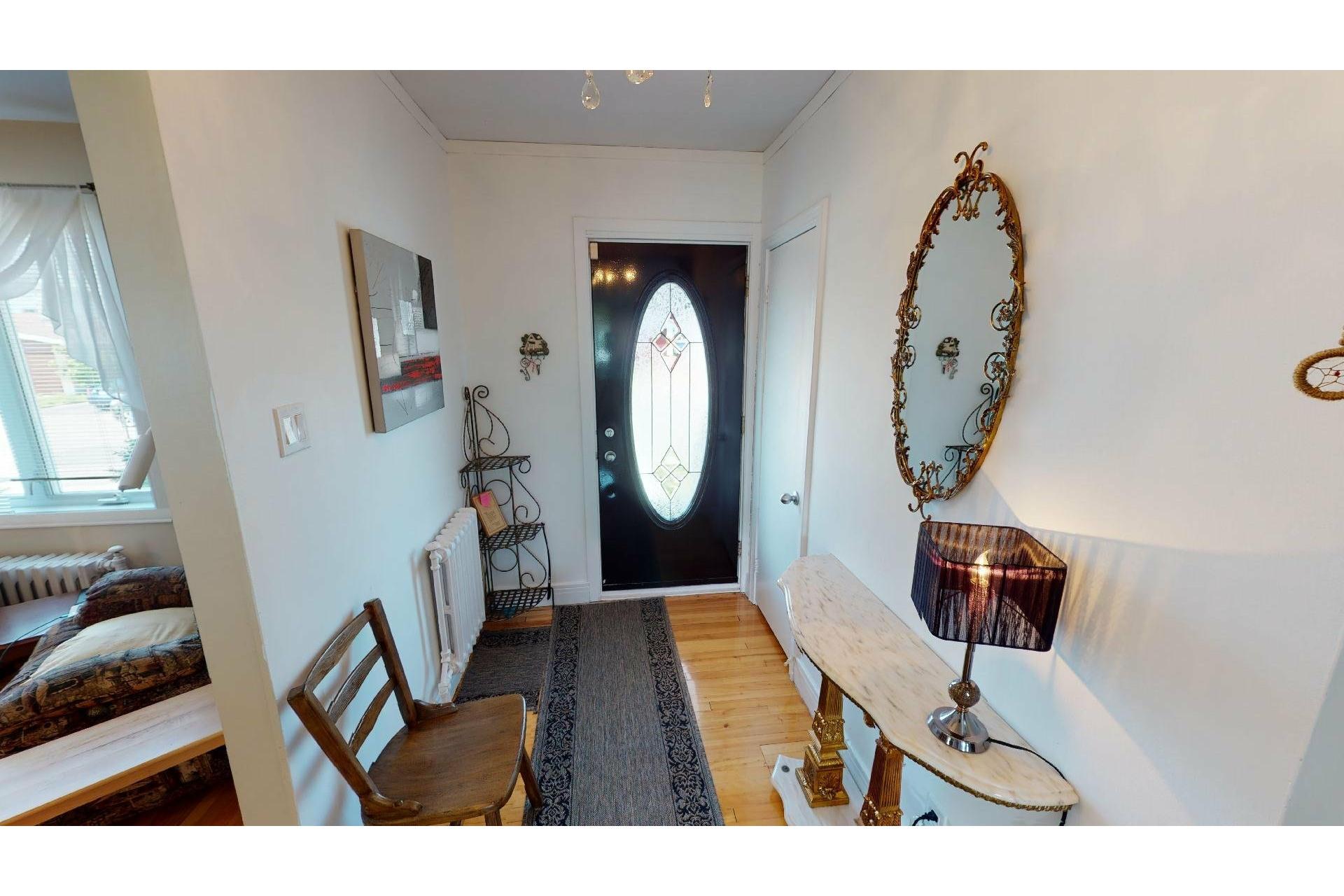 image 3 - Maison À vendre Shawinigan - 12 pièces