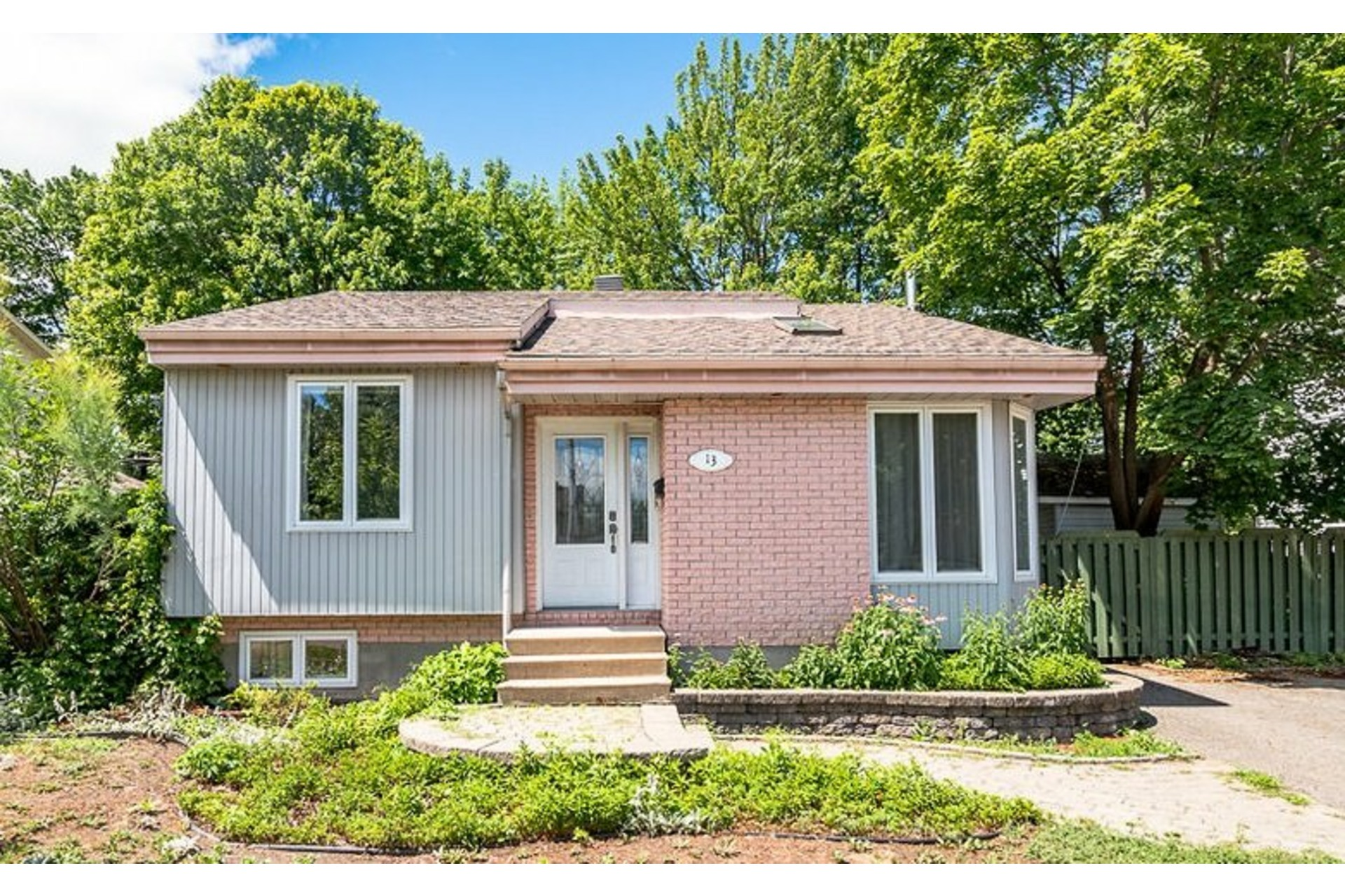 image 0 - House For sale Blainville - 11 rooms