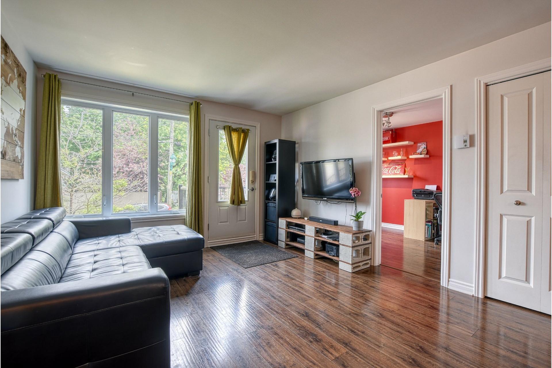 image 2 - Appartement À vendre Laval-des-Rapides Laval  - 6 pièces