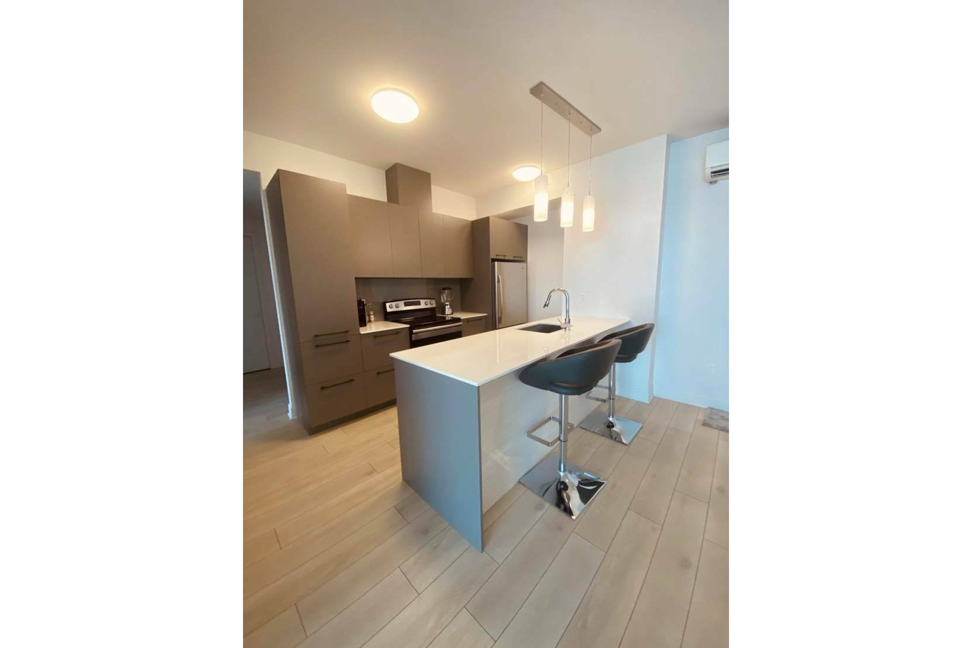 image 5 - Apartment For rent Chomedey Laval  - 5 rooms