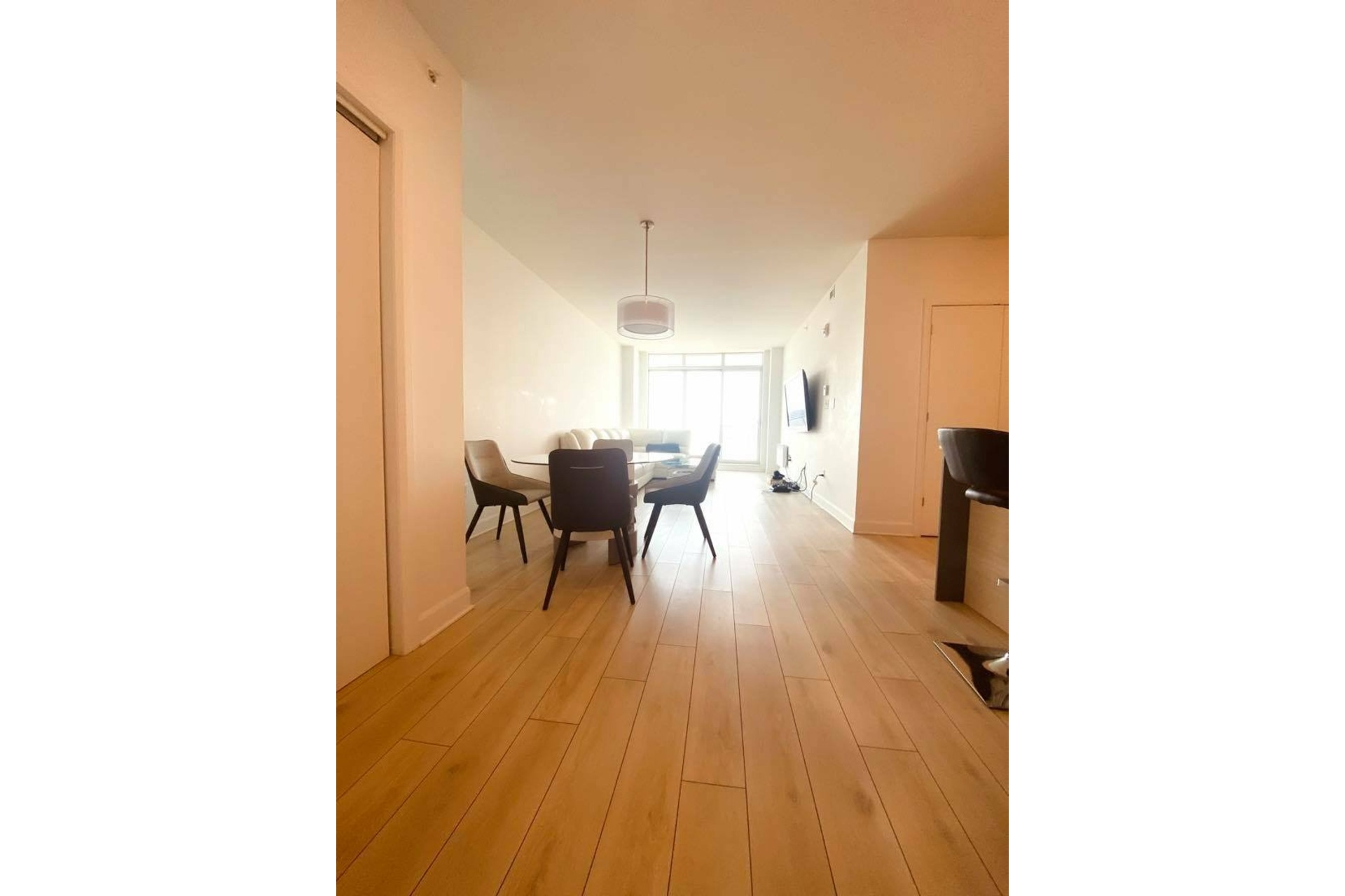 image 1 - Apartment For rent Chomedey Laval  - 5 rooms