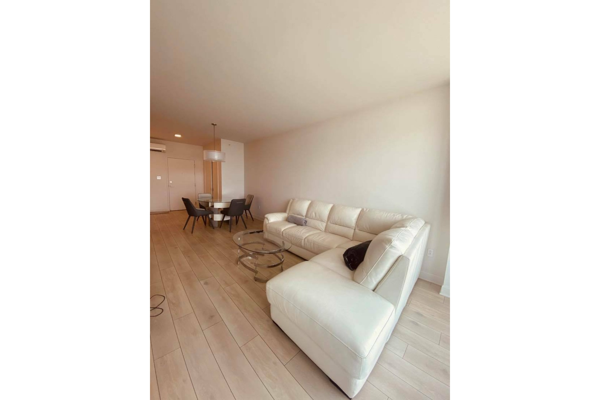 image 6 - Apartment For rent Chomedey Laval  - 5 rooms
