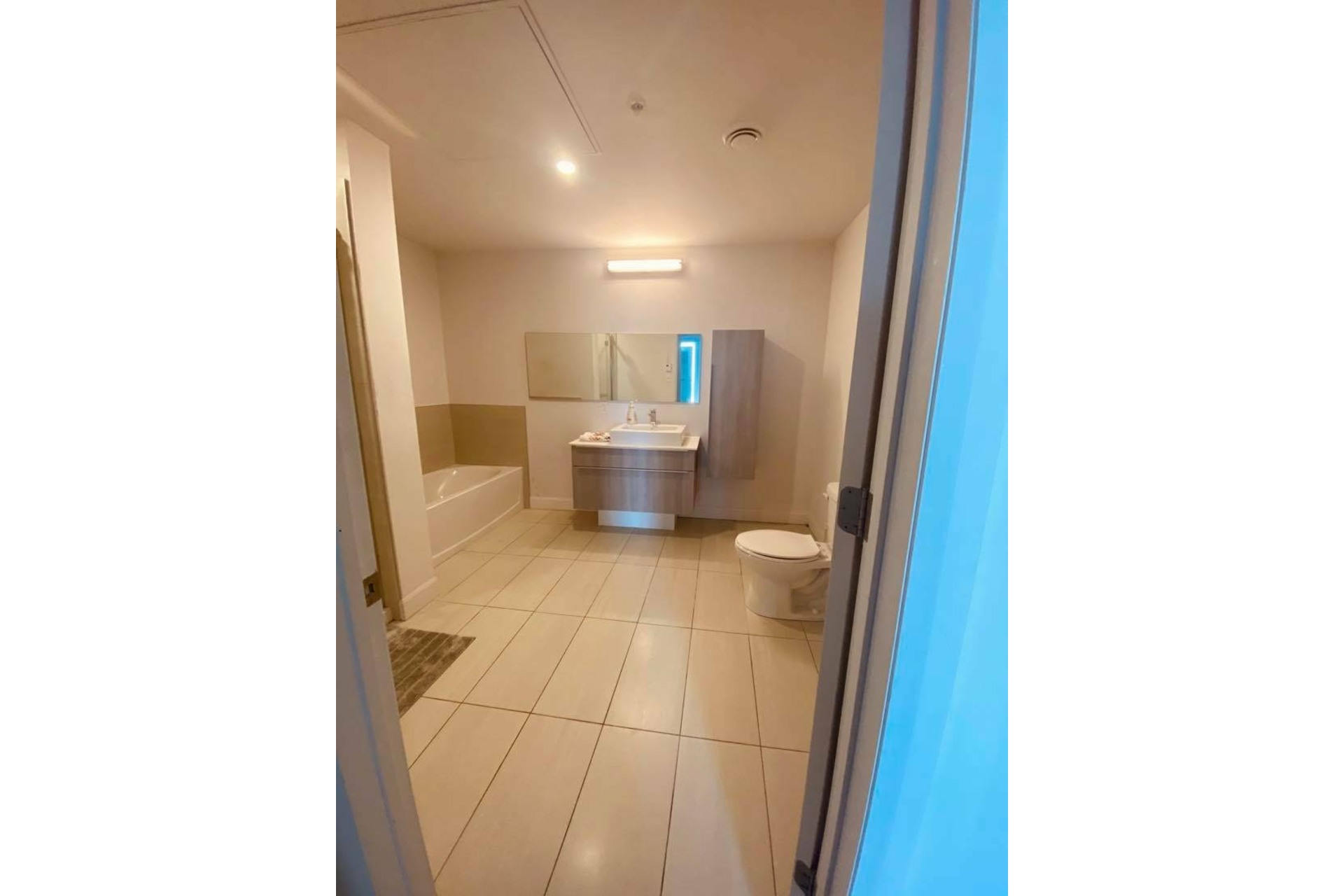 image 11 - Apartment For rent Chomedey Laval  - 5 rooms