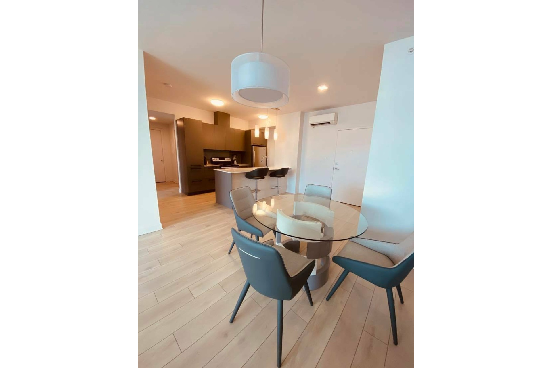 image 3 - Apartment For rent Chomedey Laval  - 5 rooms