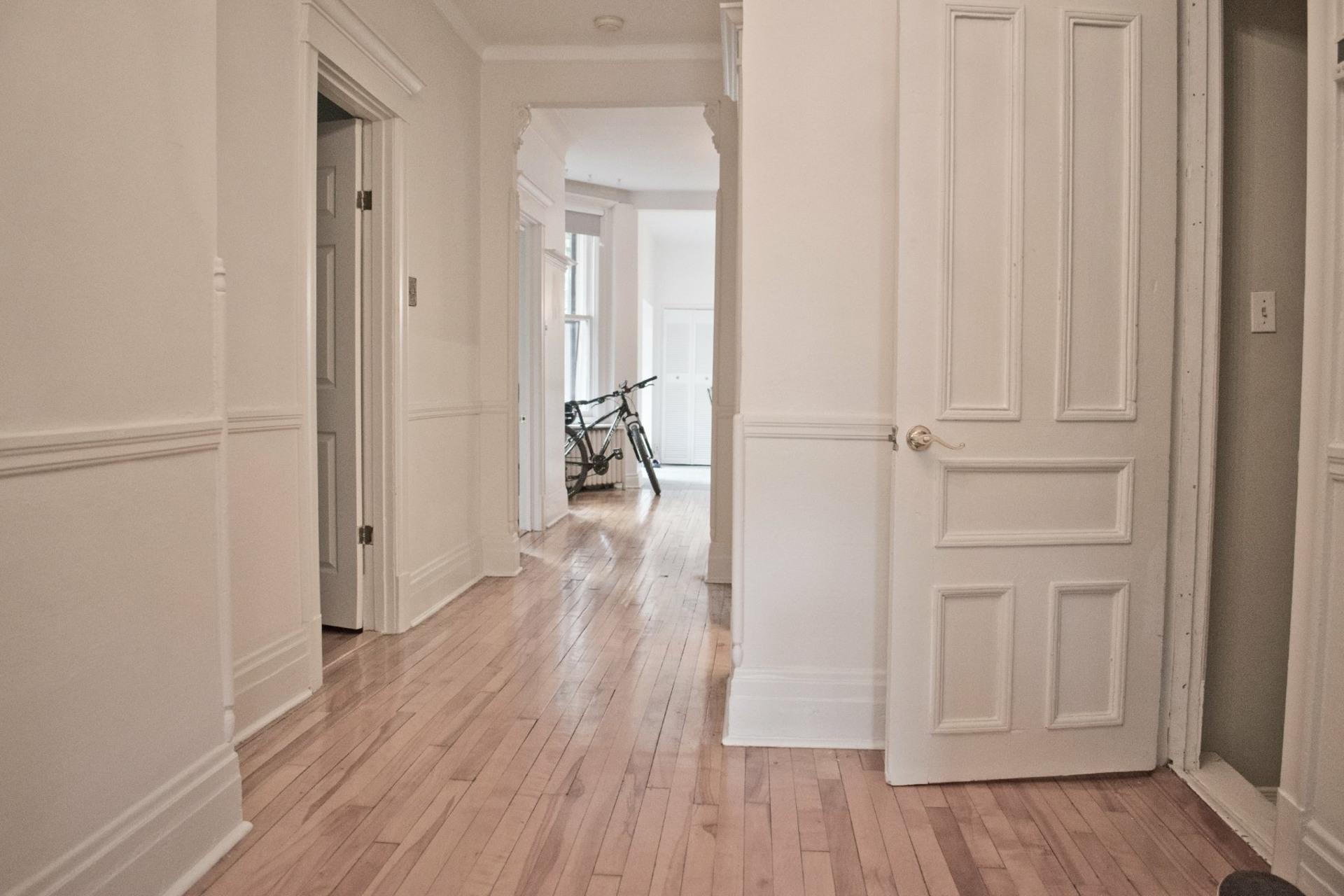 image 1 - Appartement À louer Côte-des-Neiges/Notre-Dame-de-Grâce Montréal  - 11 pièces