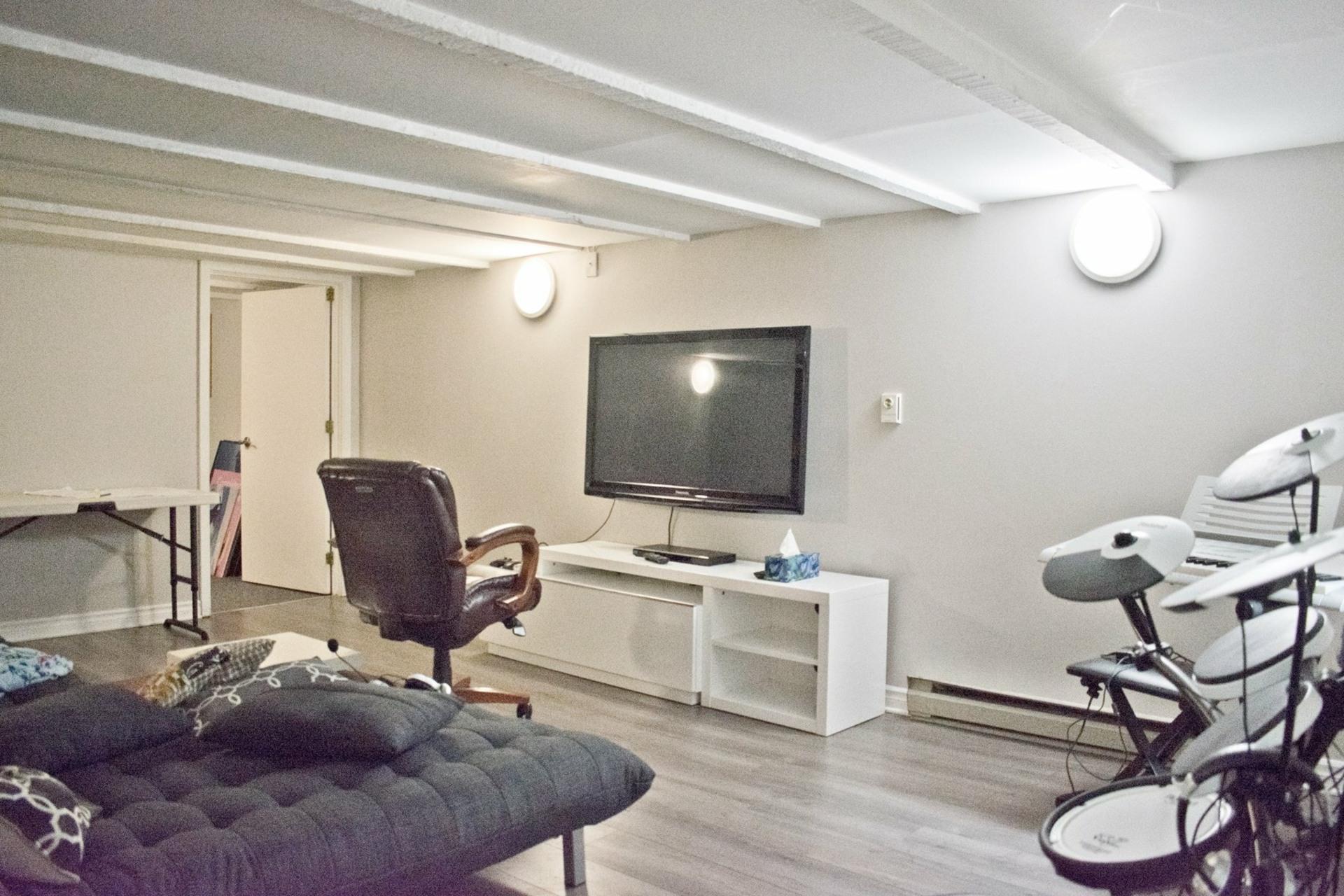 image 17 - Appartement À louer Côte-des-Neiges/Notre-Dame-de-Grâce Montréal  - 11 pièces