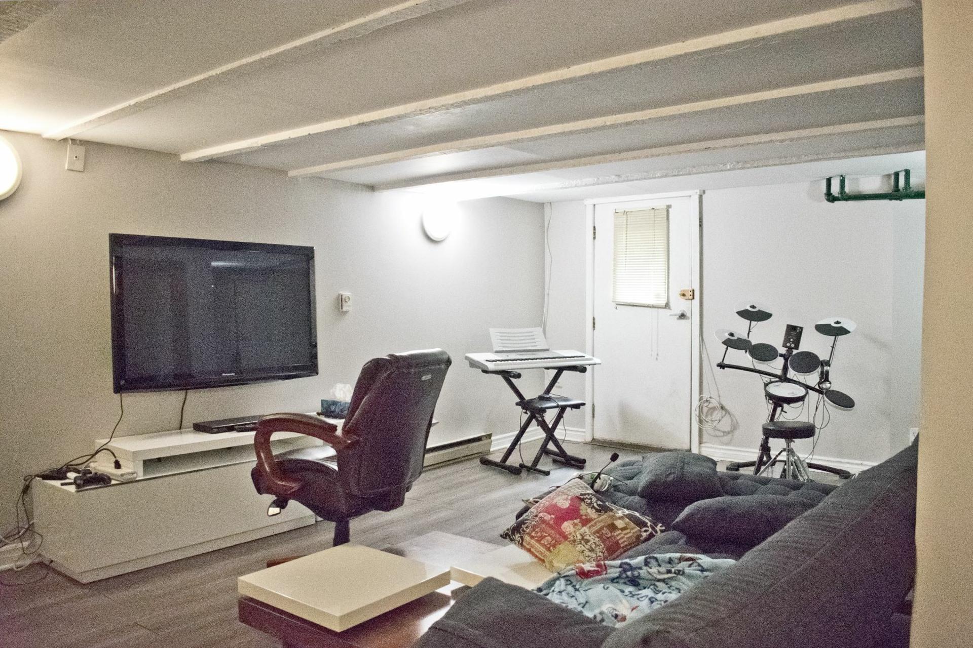 image 16 - Appartement À louer Côte-des-Neiges/Notre-Dame-de-Grâce Montréal  - 11 pièces