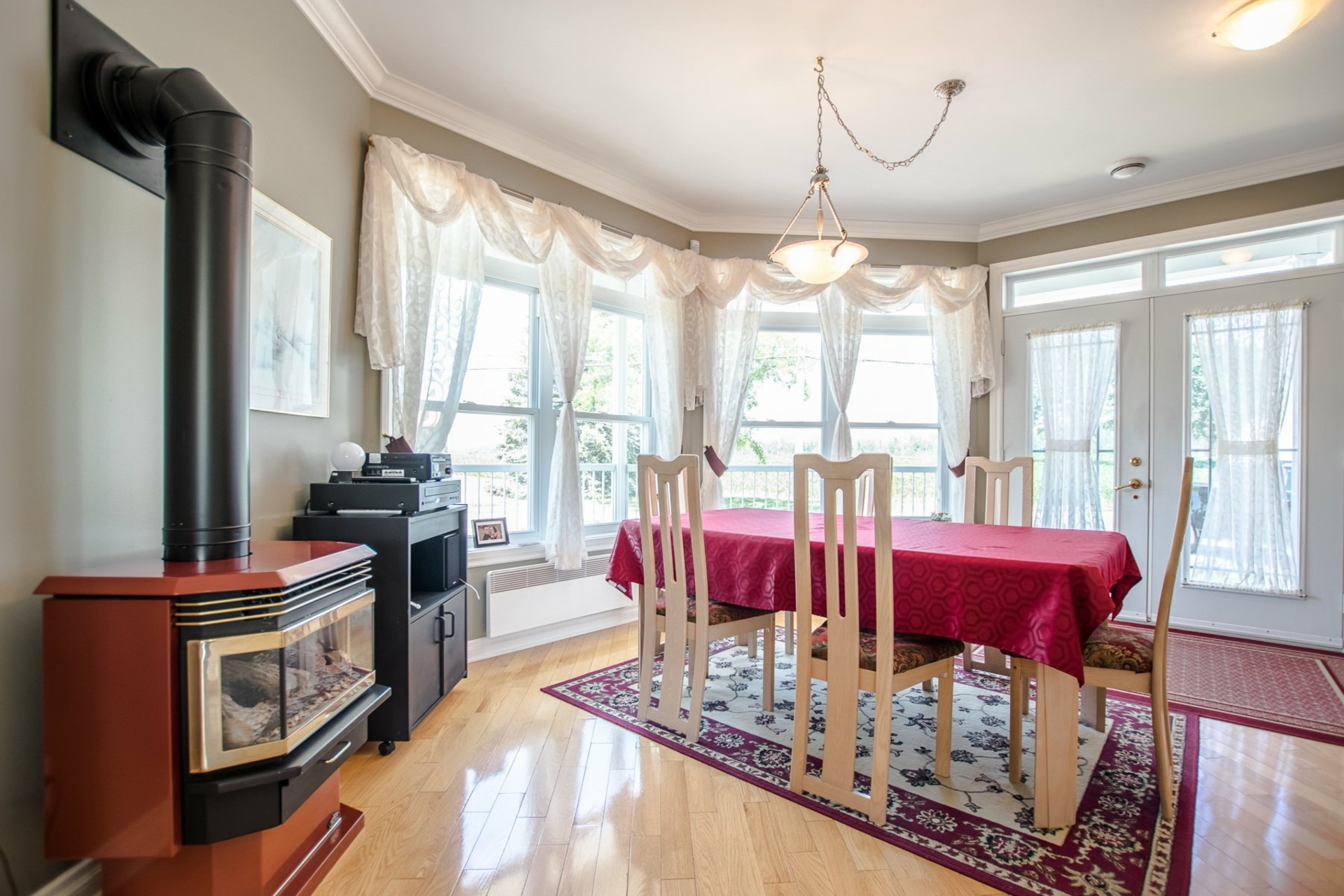 image 6 - House For sale Châteauguay - 11 rooms