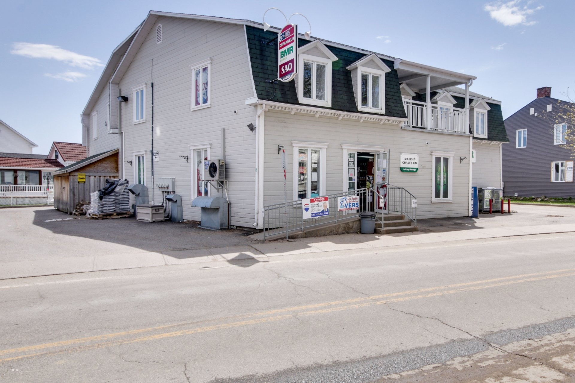 image 1 - Commercial Use For sale Champlain